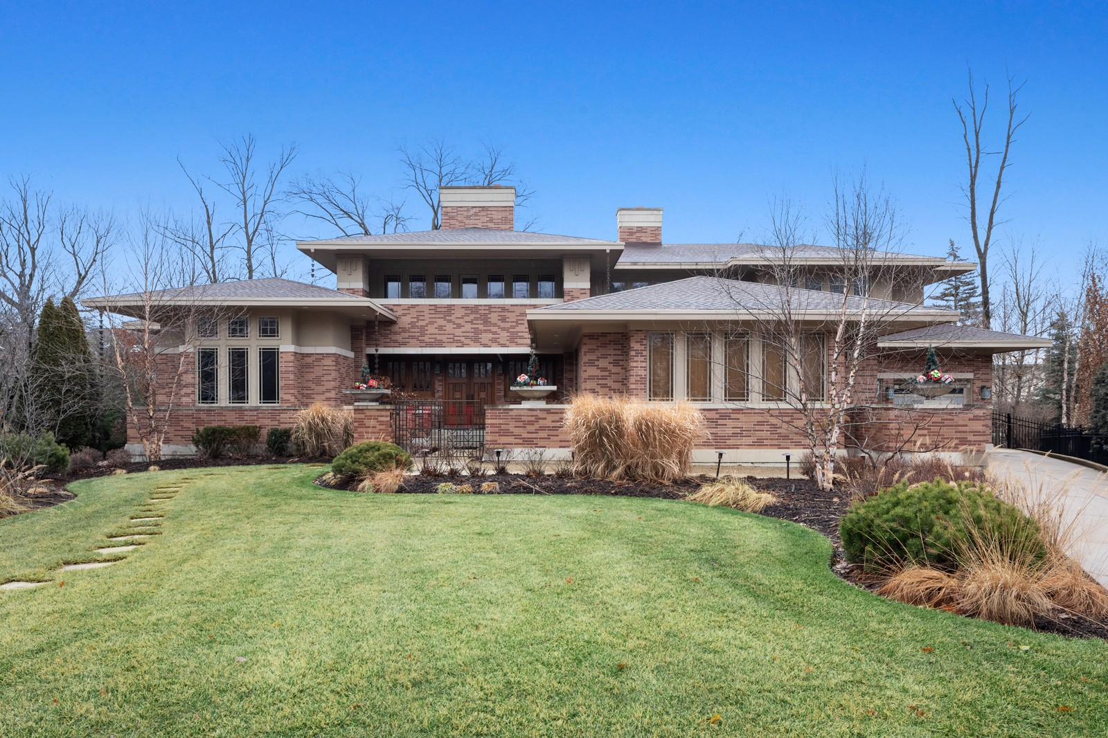 Listed for $3.3M, does this Prairie School homage in Naperville have the Wright stuff?