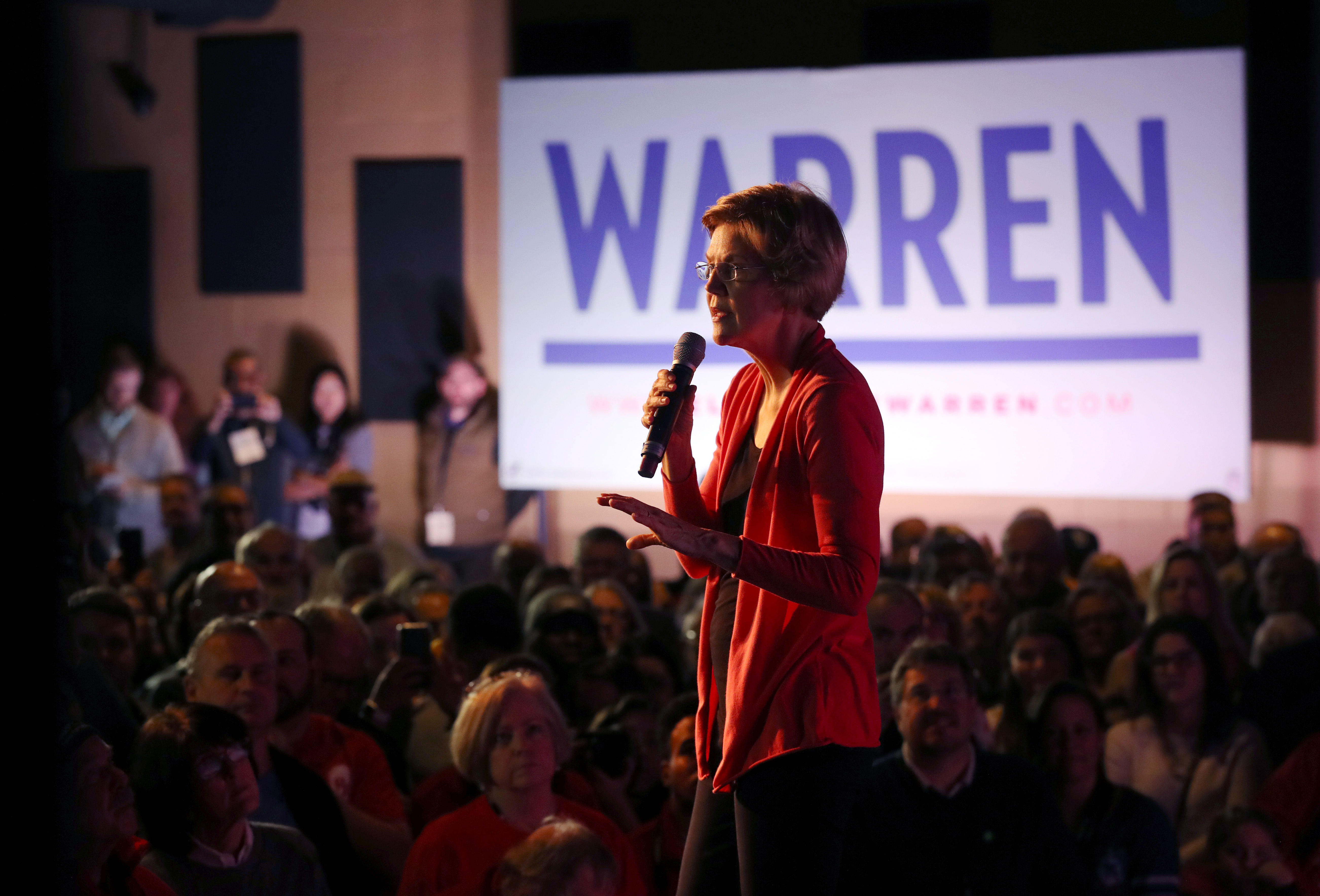 Warren's campaign is just the latest to struggle with diversity