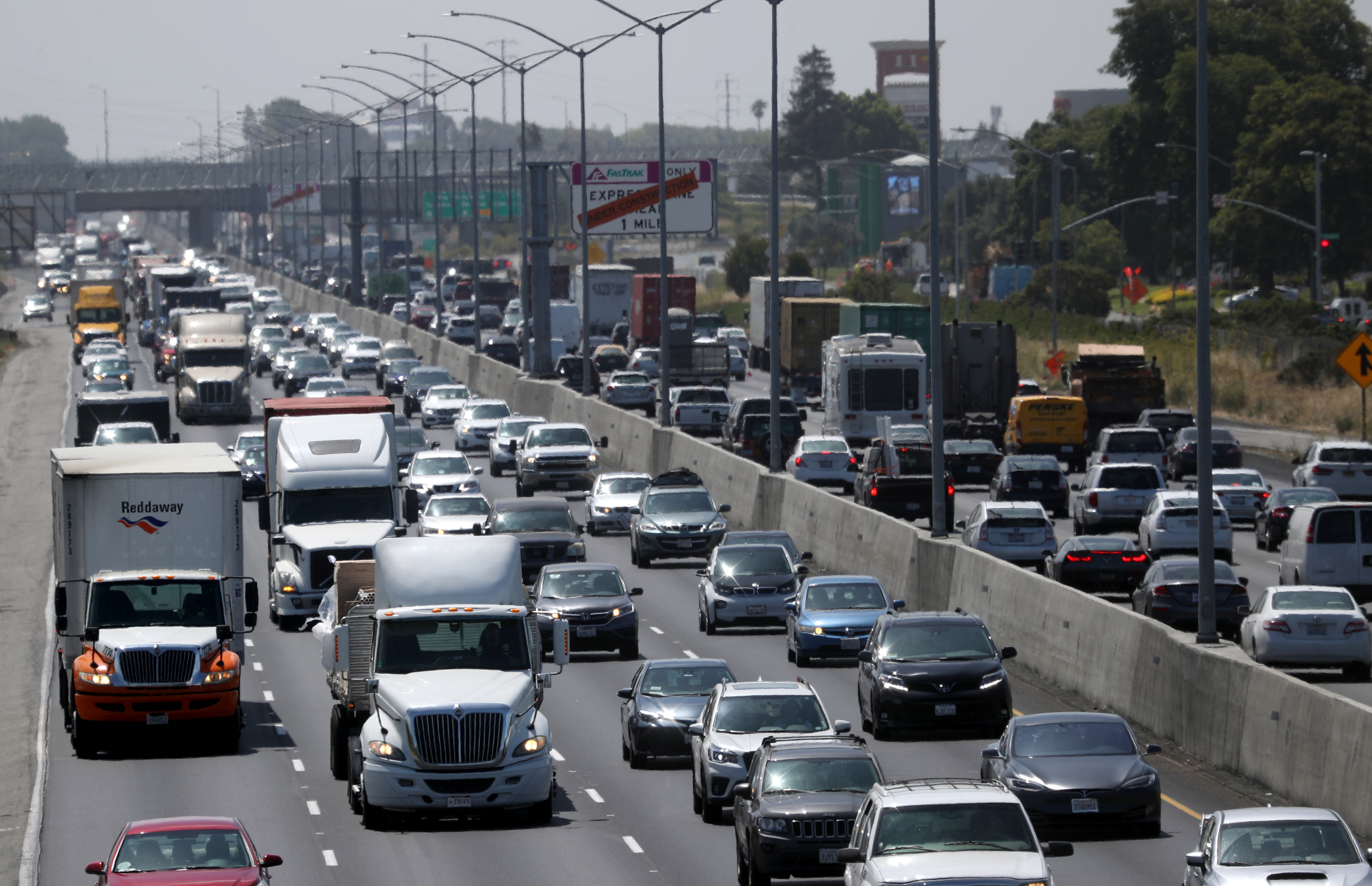 California And Four Big Automakers Make Deal To Reduce Emissions