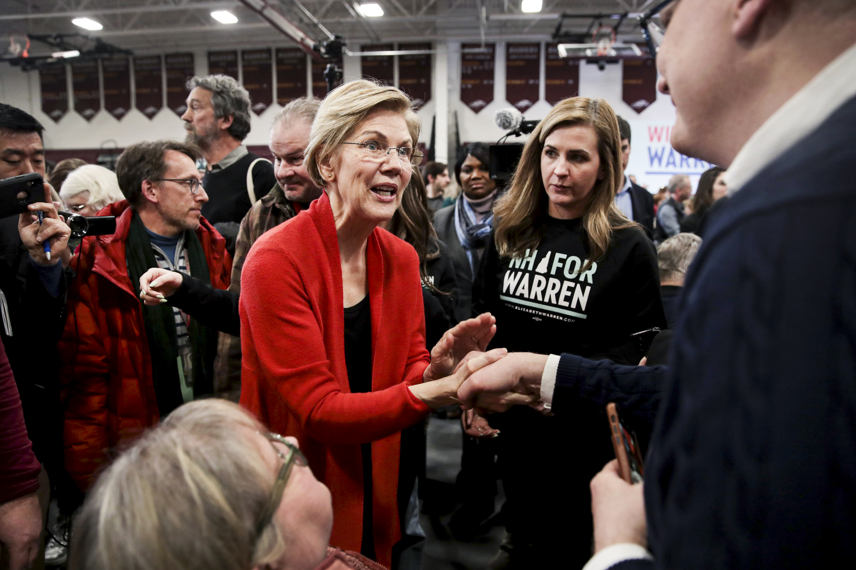 Elizabeth Warren's once-promising, now-imperiled campaign, explained