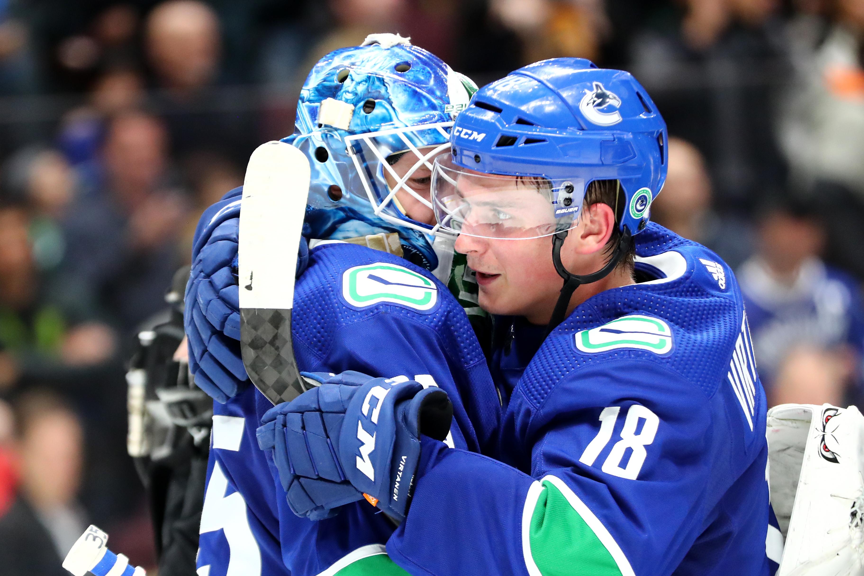 NHL: JAN 27 Blues at Canucks