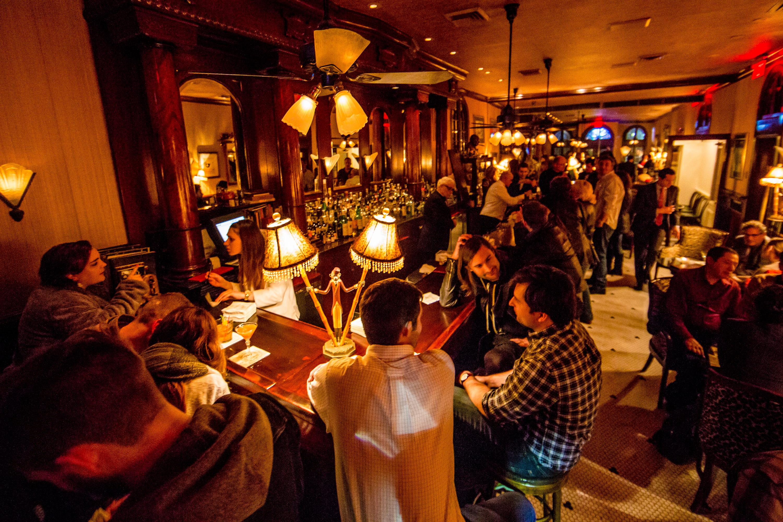 arnaud's bar