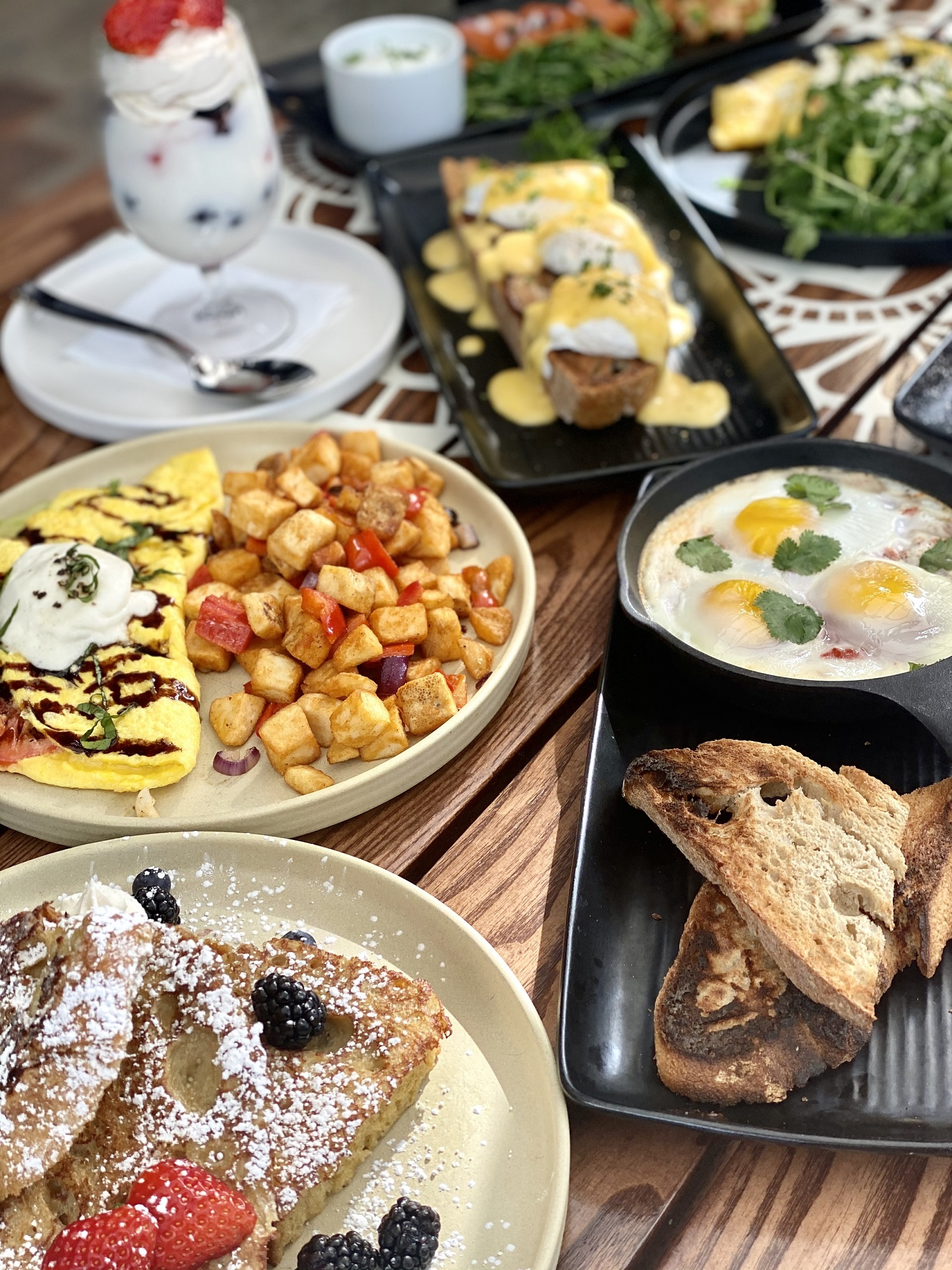 An array of brunch dishes