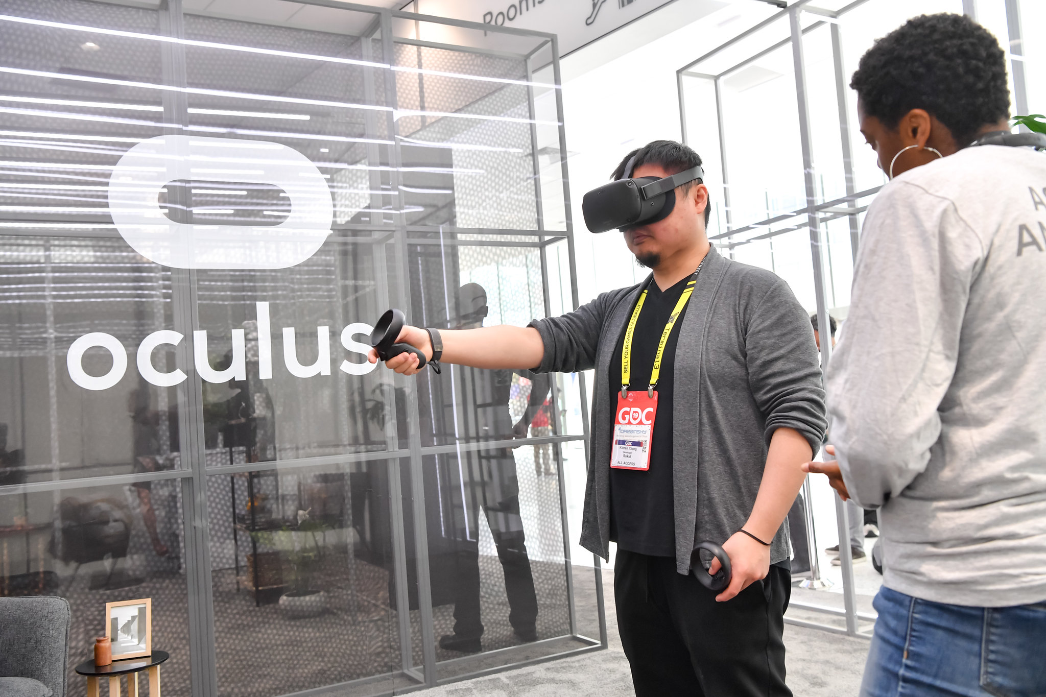 A GDC attendee uses an Oculus VR headset at the Game Developers Conference 2019