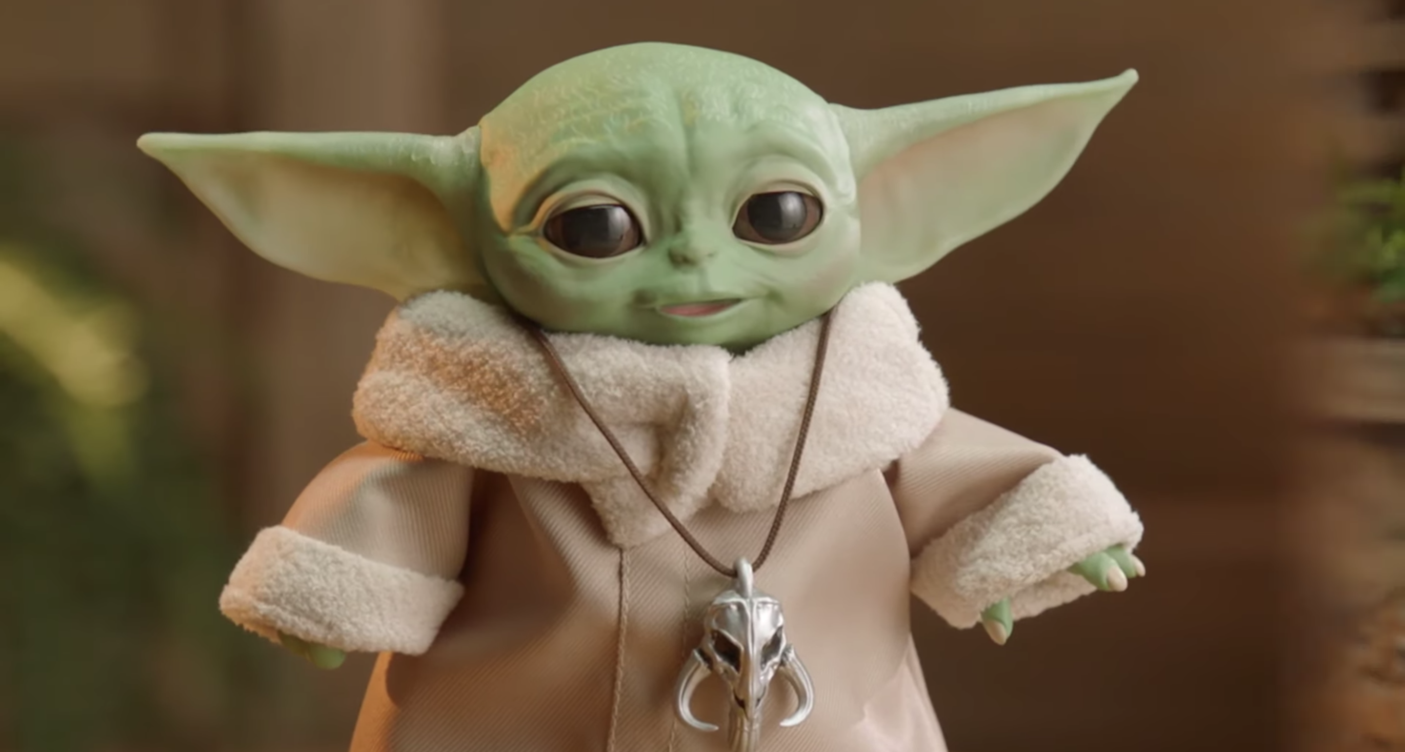 Hasbro released images of their new animatronic Baby Yoda figure, which will be available for $59.99 in Fall 2020.