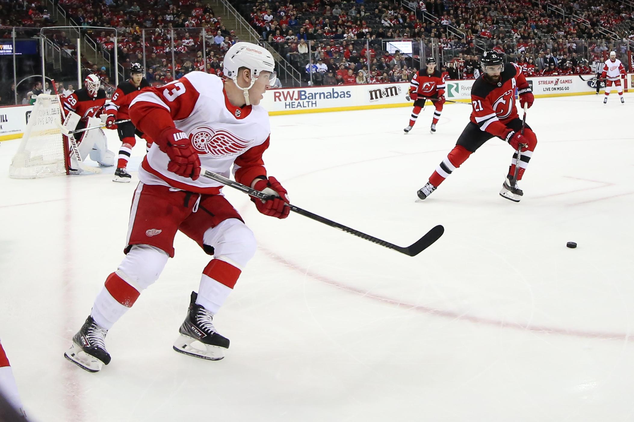 NHL: FEB 13 Red Wings at Devils