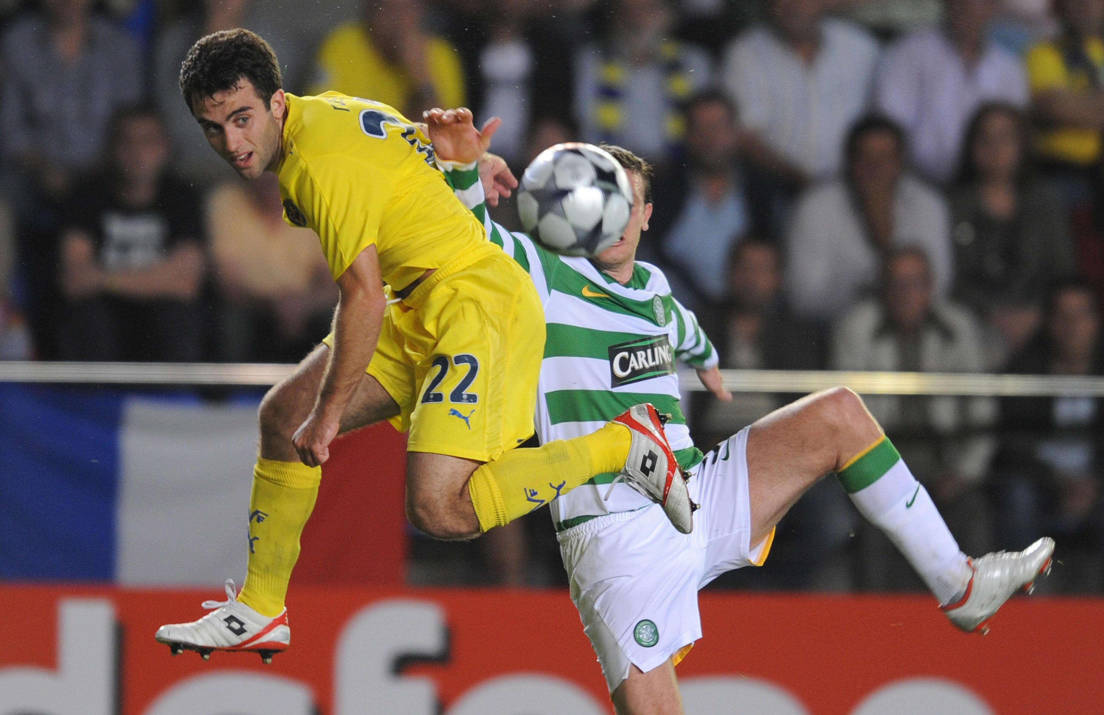 Villarreal's Italain Giuseppe Rossi (L)