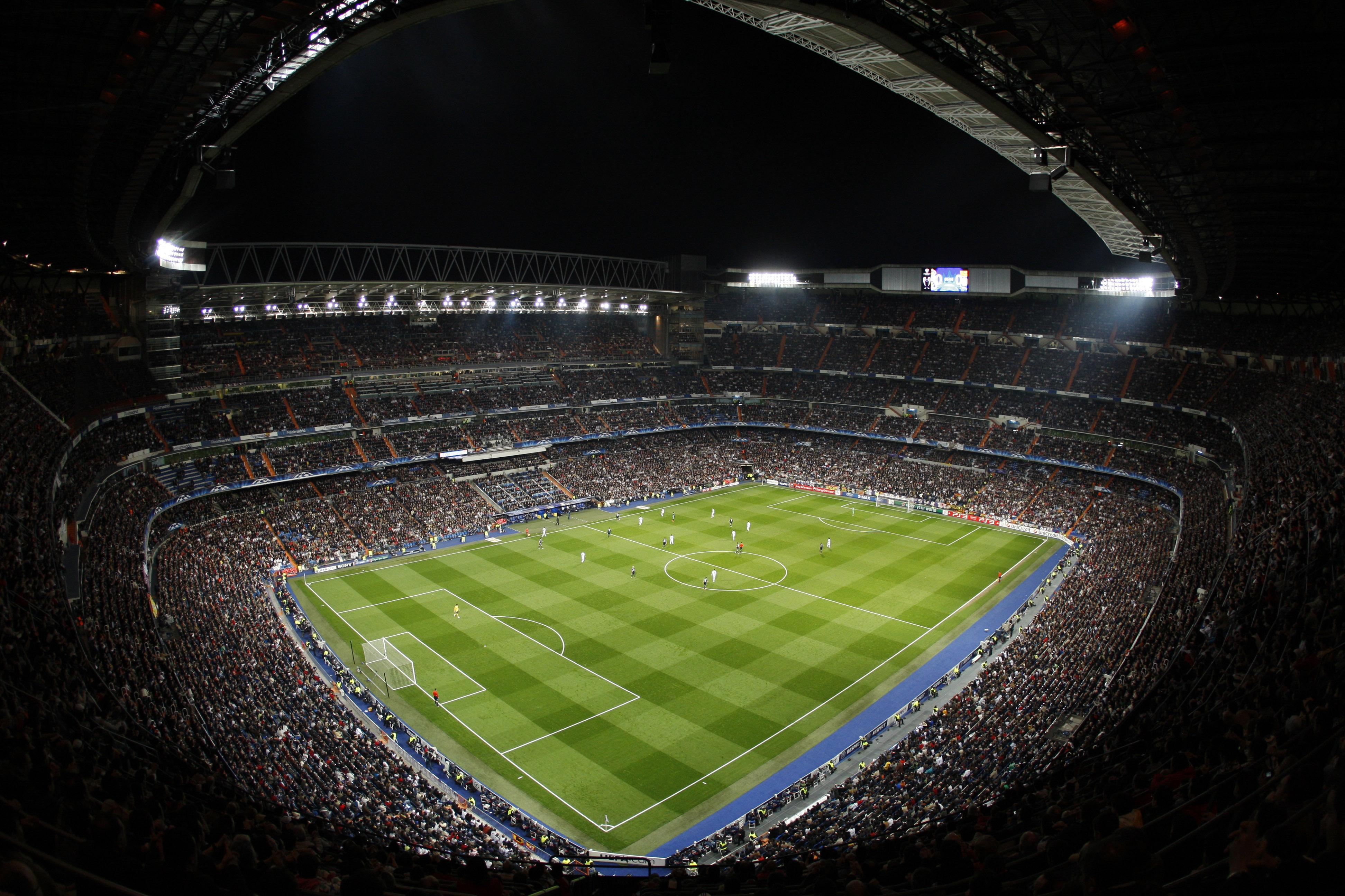 Real Madrid v Lyon - UEFA Champions League