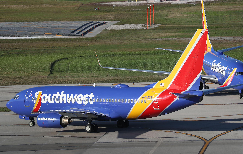 """上个月,太平洋航空公司的最新飞机,在TRC的飞机上,"""""""