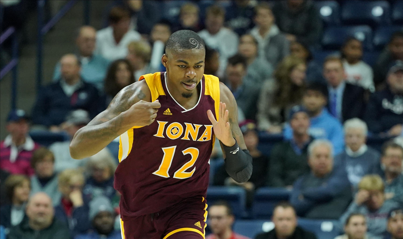 NCAA Basketball: Iona at Connecticut