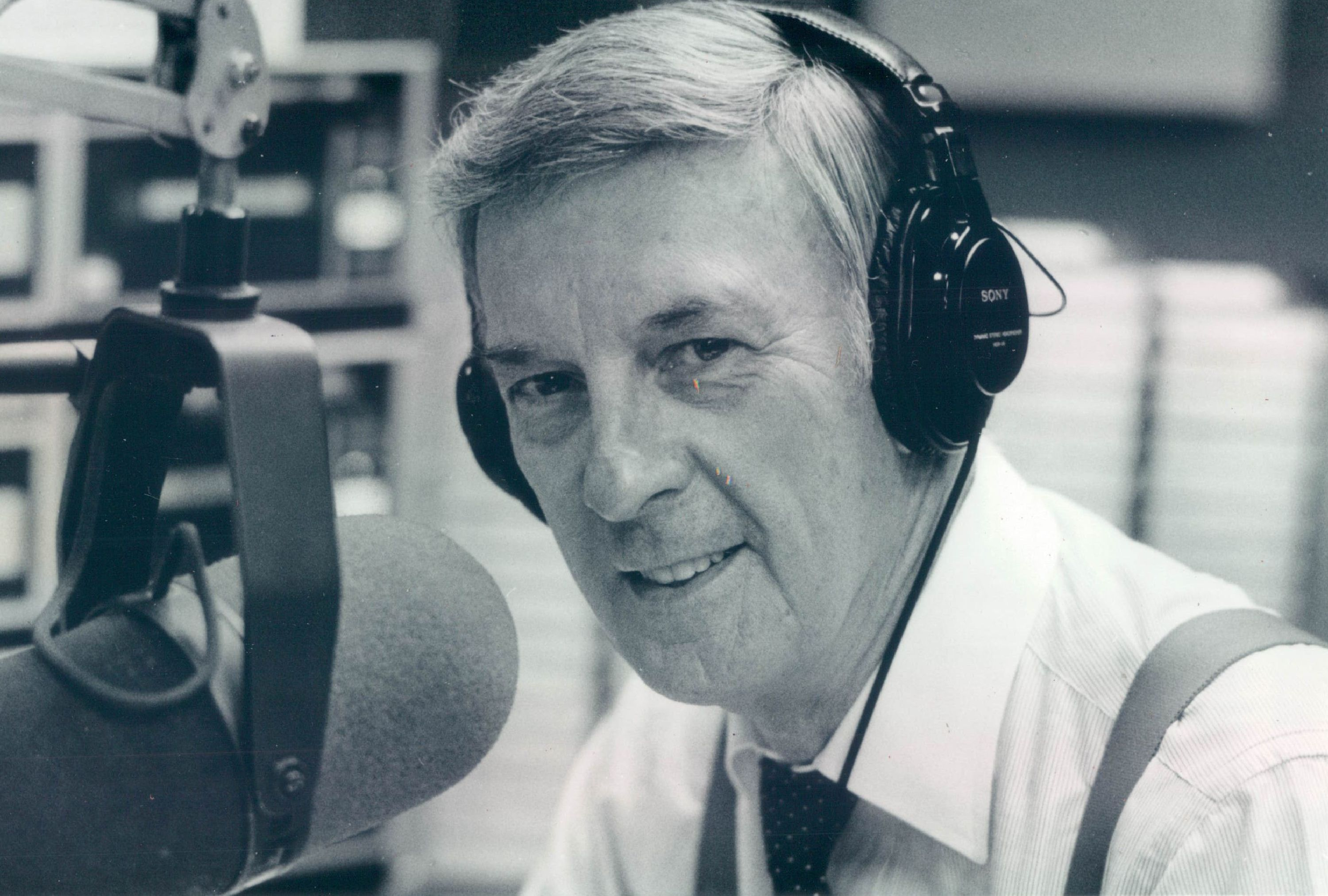 Clark Weber hosts his morning talk show on WJJD in the 1980s.
