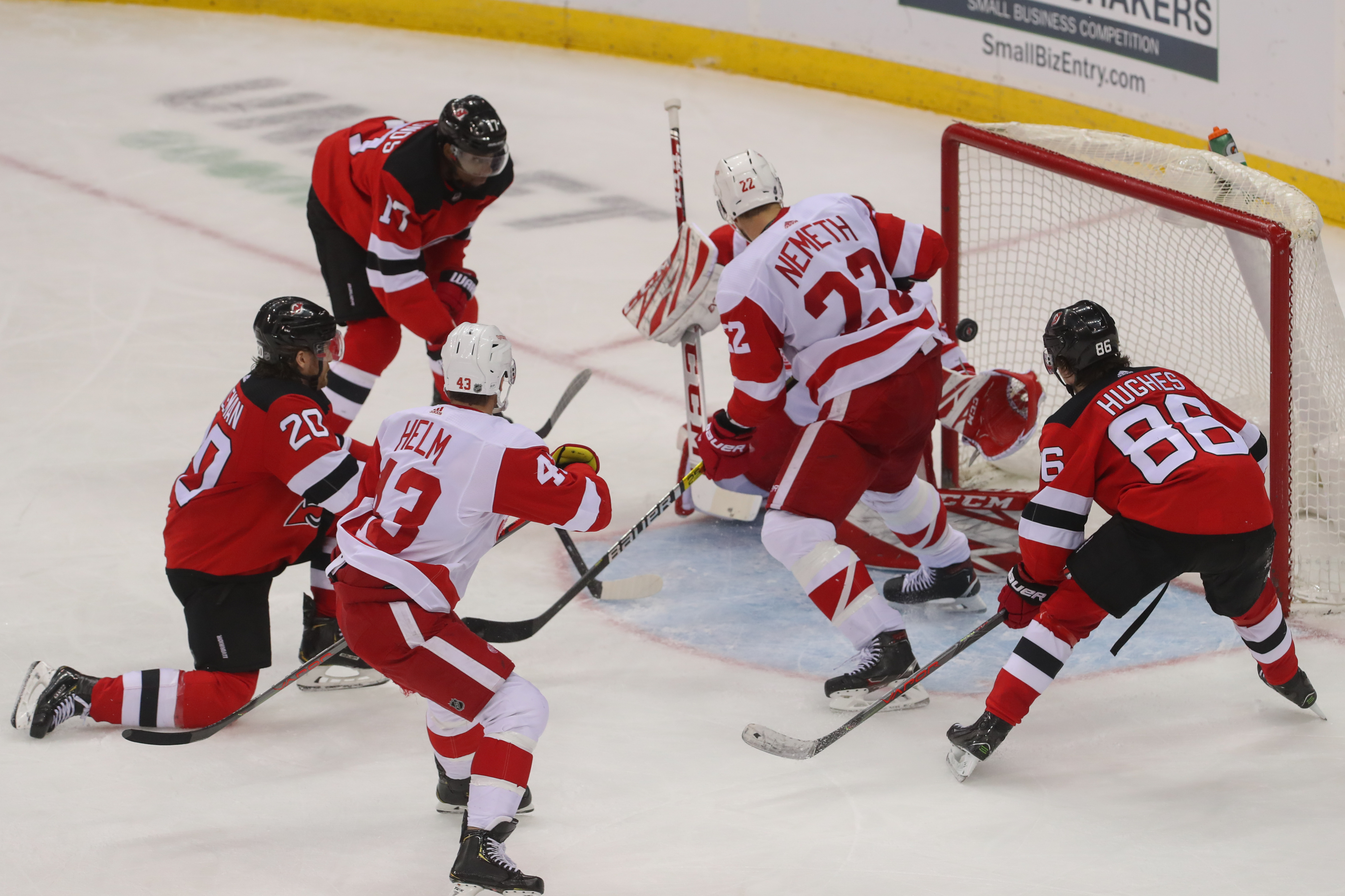 NHL: Detroit Red Wings at New Jersey Devils