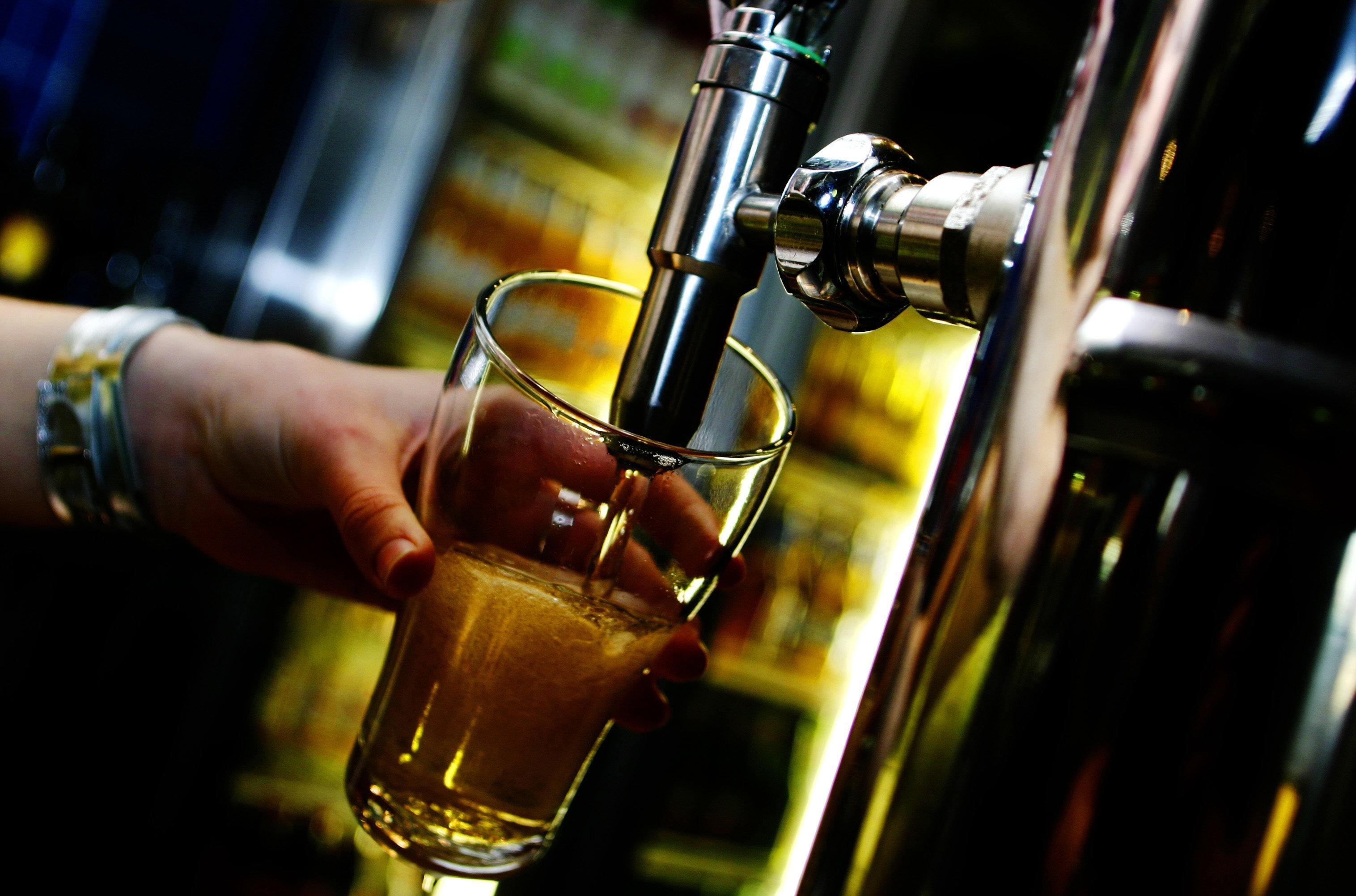普通啤酒倾倒,2005年1月25日,安德鲁·奎尔蒂188金宝搏电脑版的AFR图片