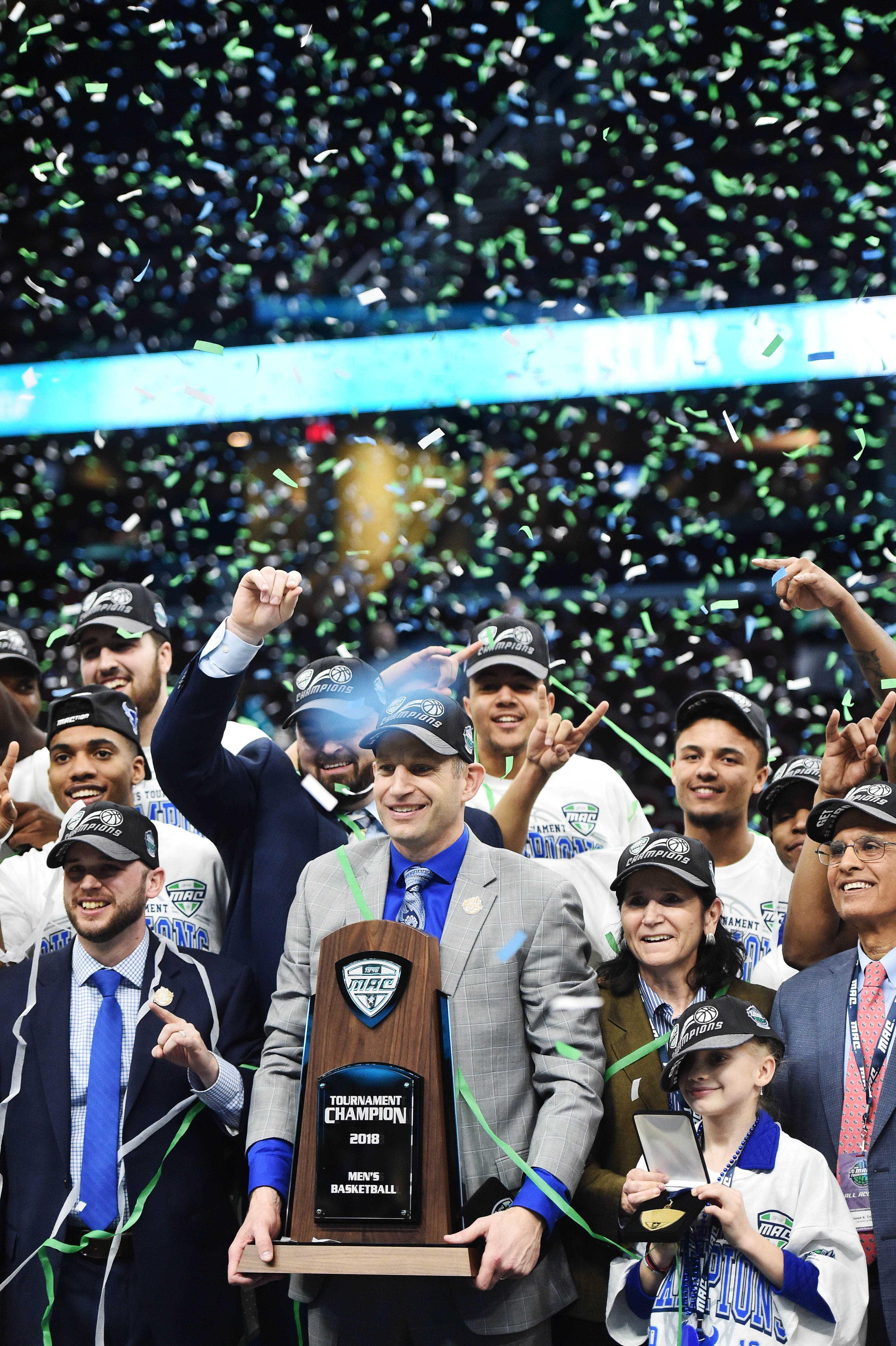 NCAA篮球:MAC大会锦标赛冠军布法罗vs托莱多