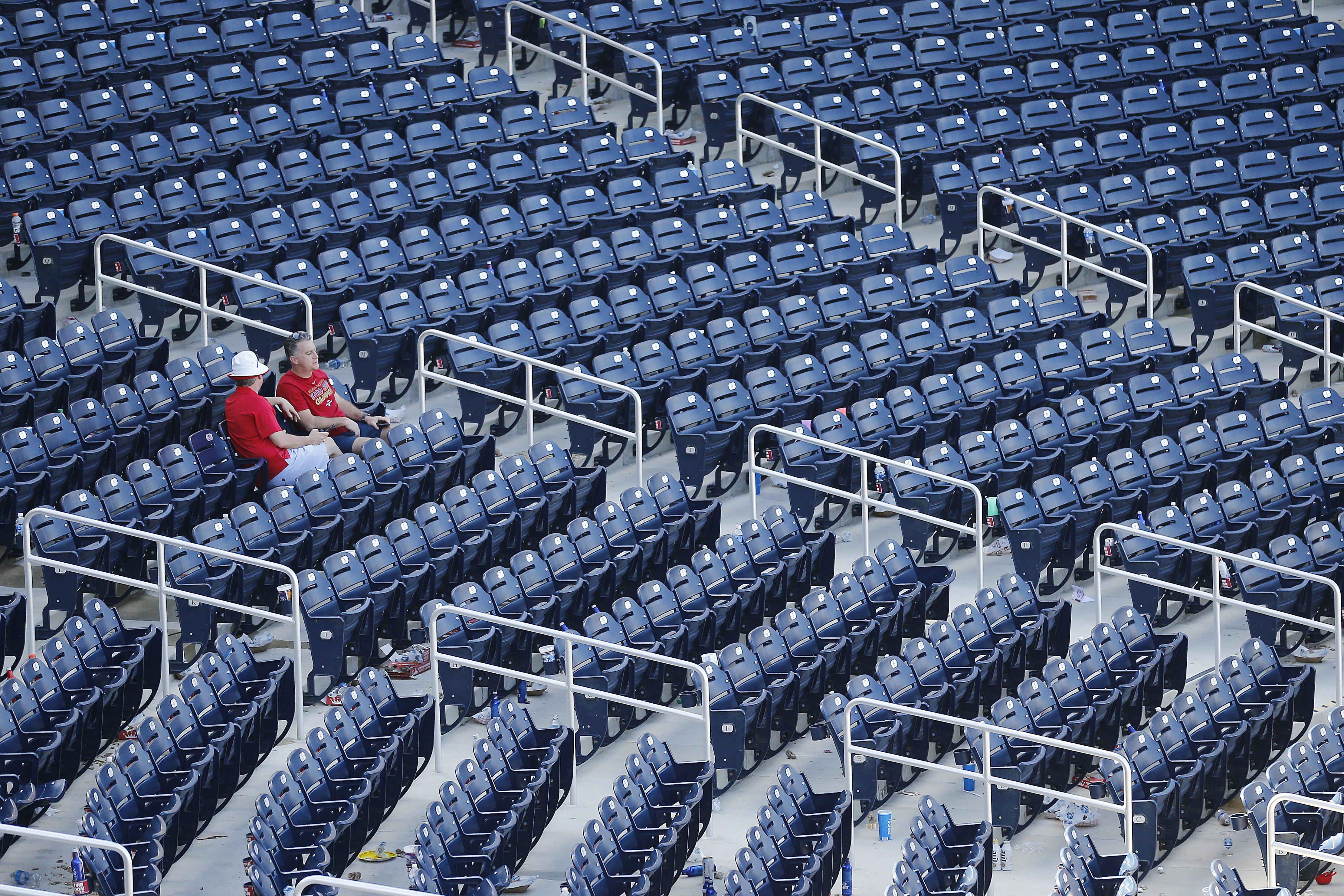 主要联盟棒球暂停春季培训