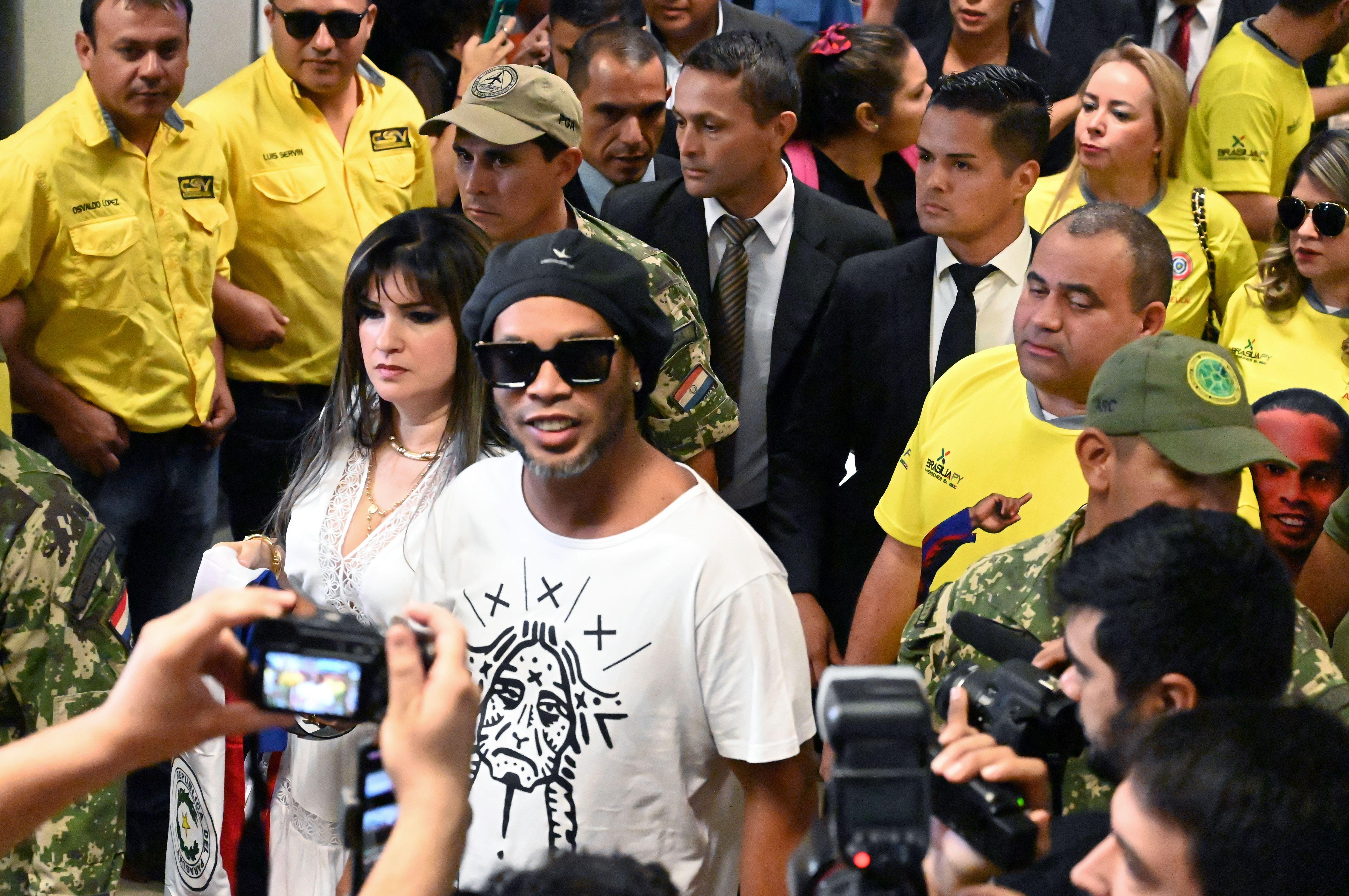 FBL-PARAGUAY-BRAZIL-RONALDINHO