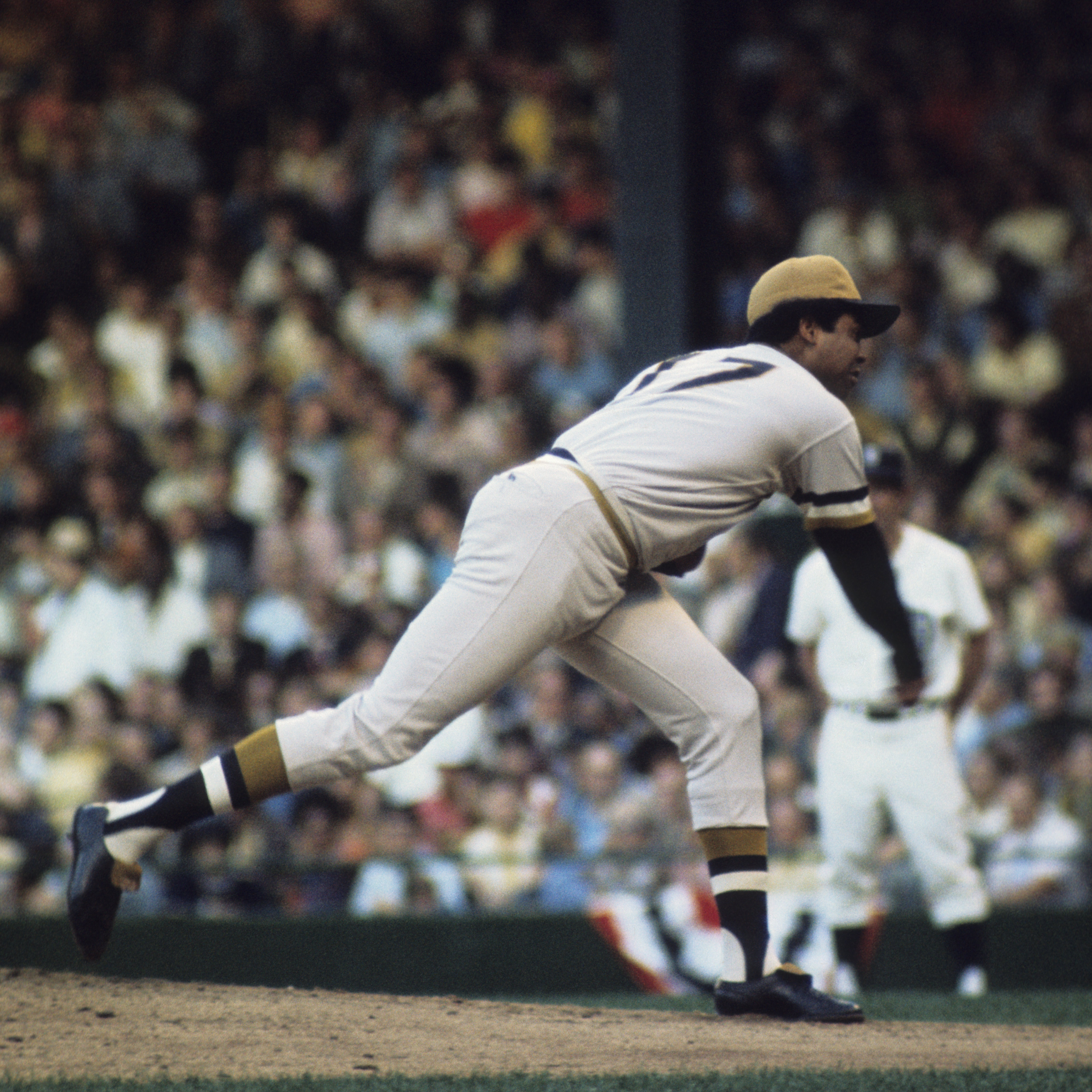 Dock Ellis pitching in the 1971 MLB All-Star Game