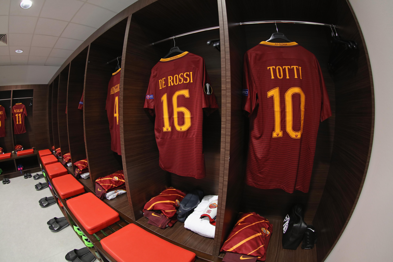 Olympique Lyon v AS Roma - UEFA Europa League Round of 16: First Leg
