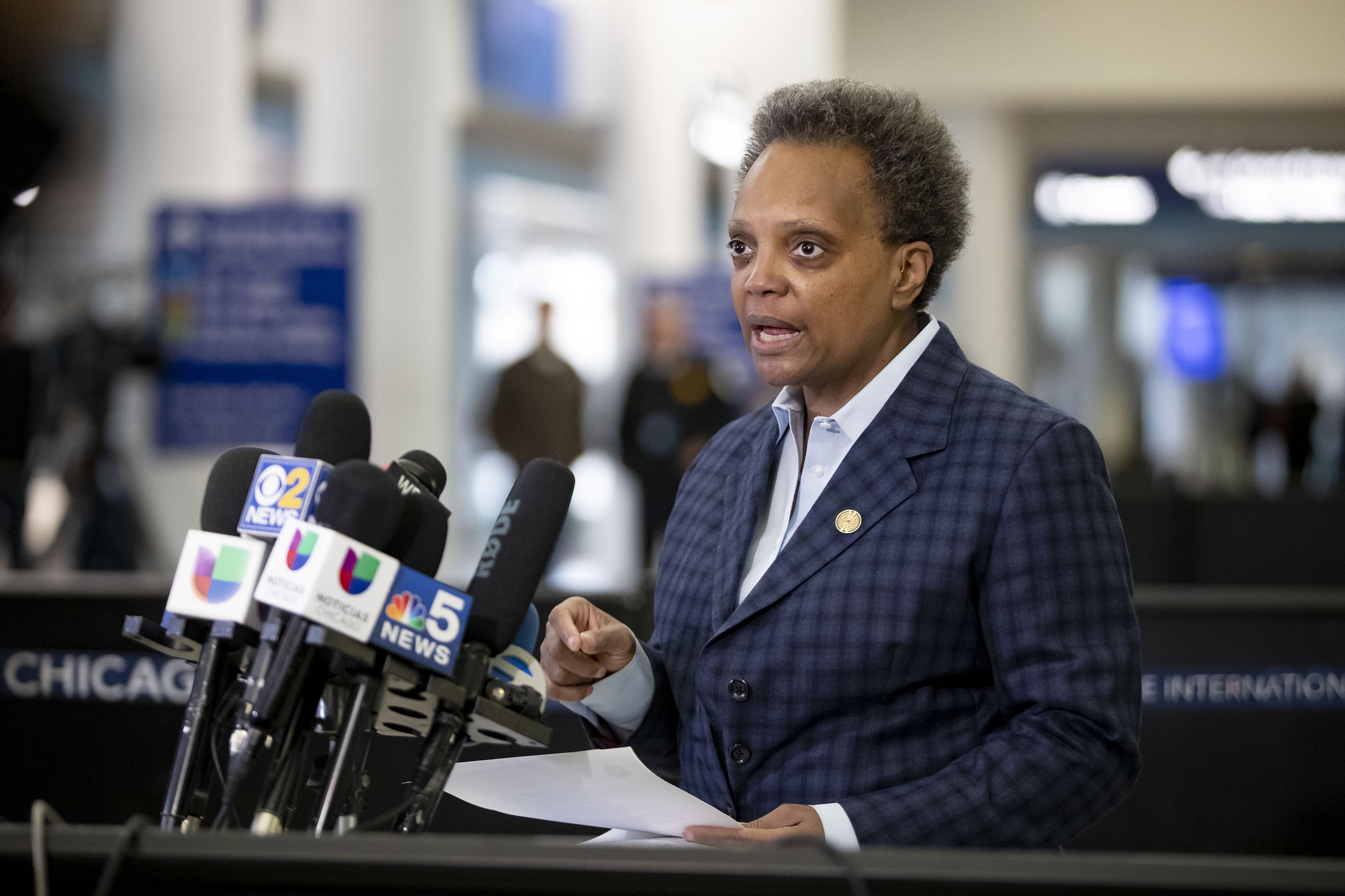 Chicago Mayor Lori Lightfoot to Trump: 'No one has time for your incompetence' over O'Hare crowding as customs struggles to keep up with influx of international passengers