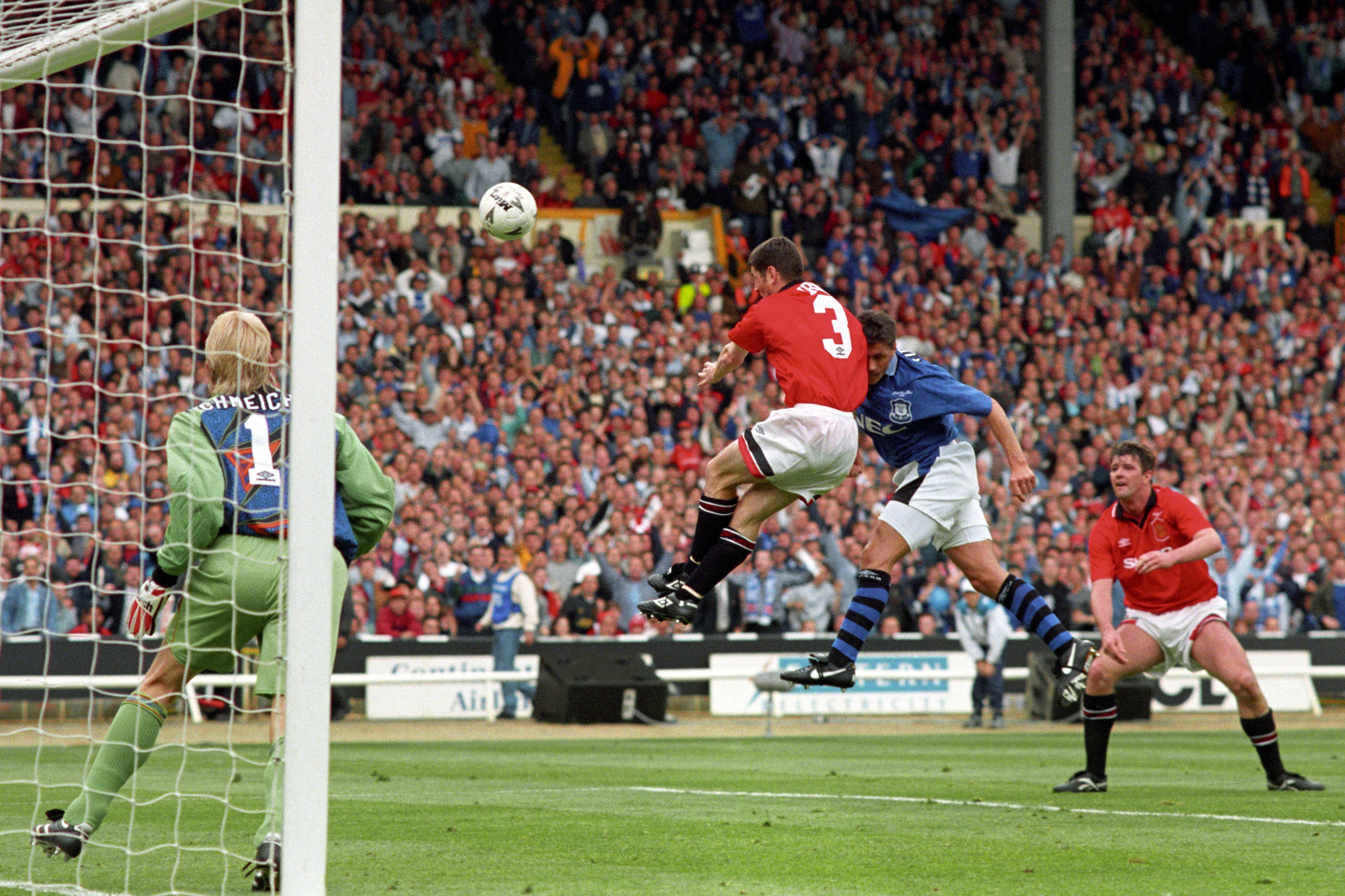 Soccer - FA Cup Final - Manchester United v Everton - Wembley Stadium