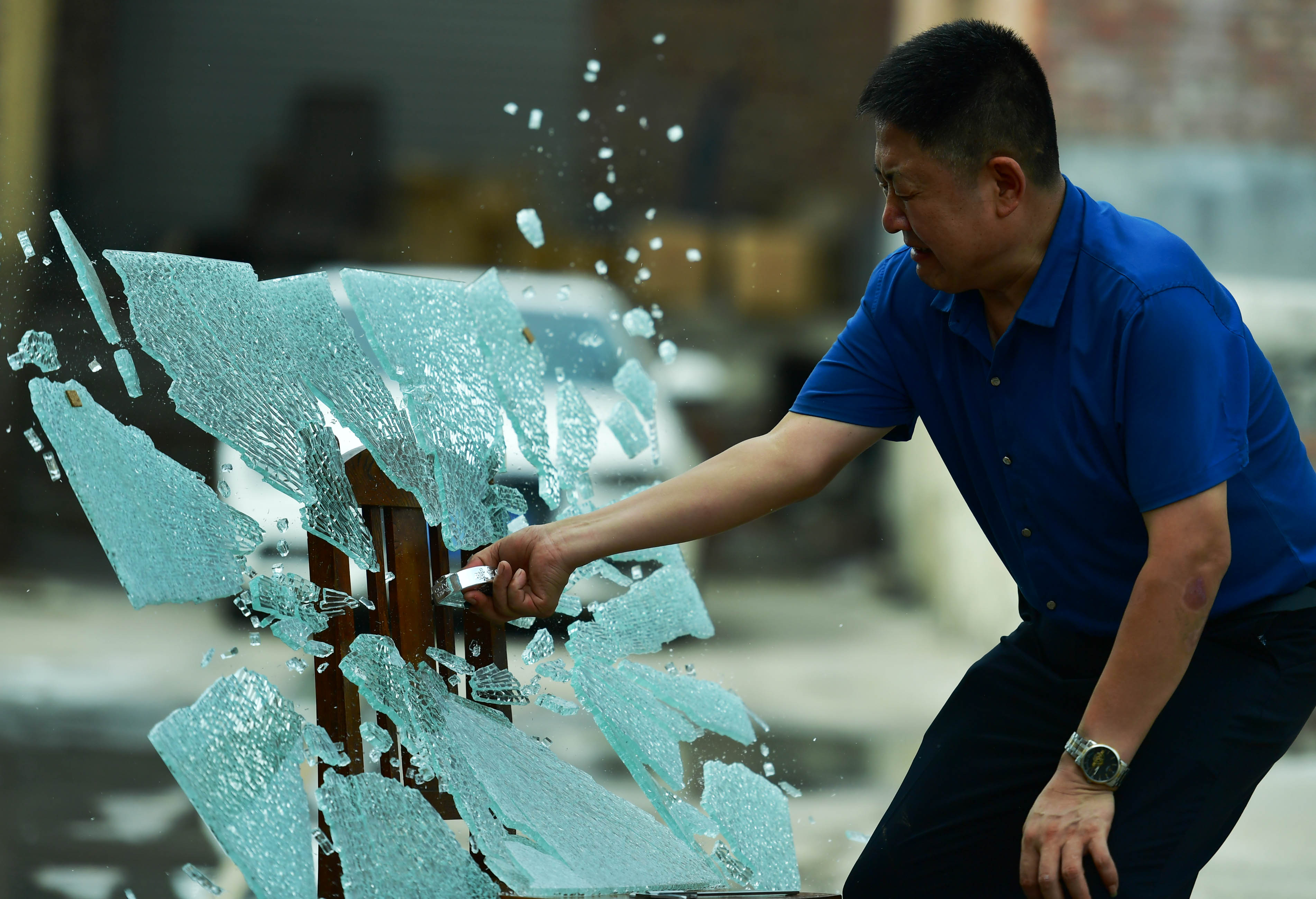 gizmo be invented to break glass in 3 seconds in Shijiazhuang,Hebei, China on 06 August 2018