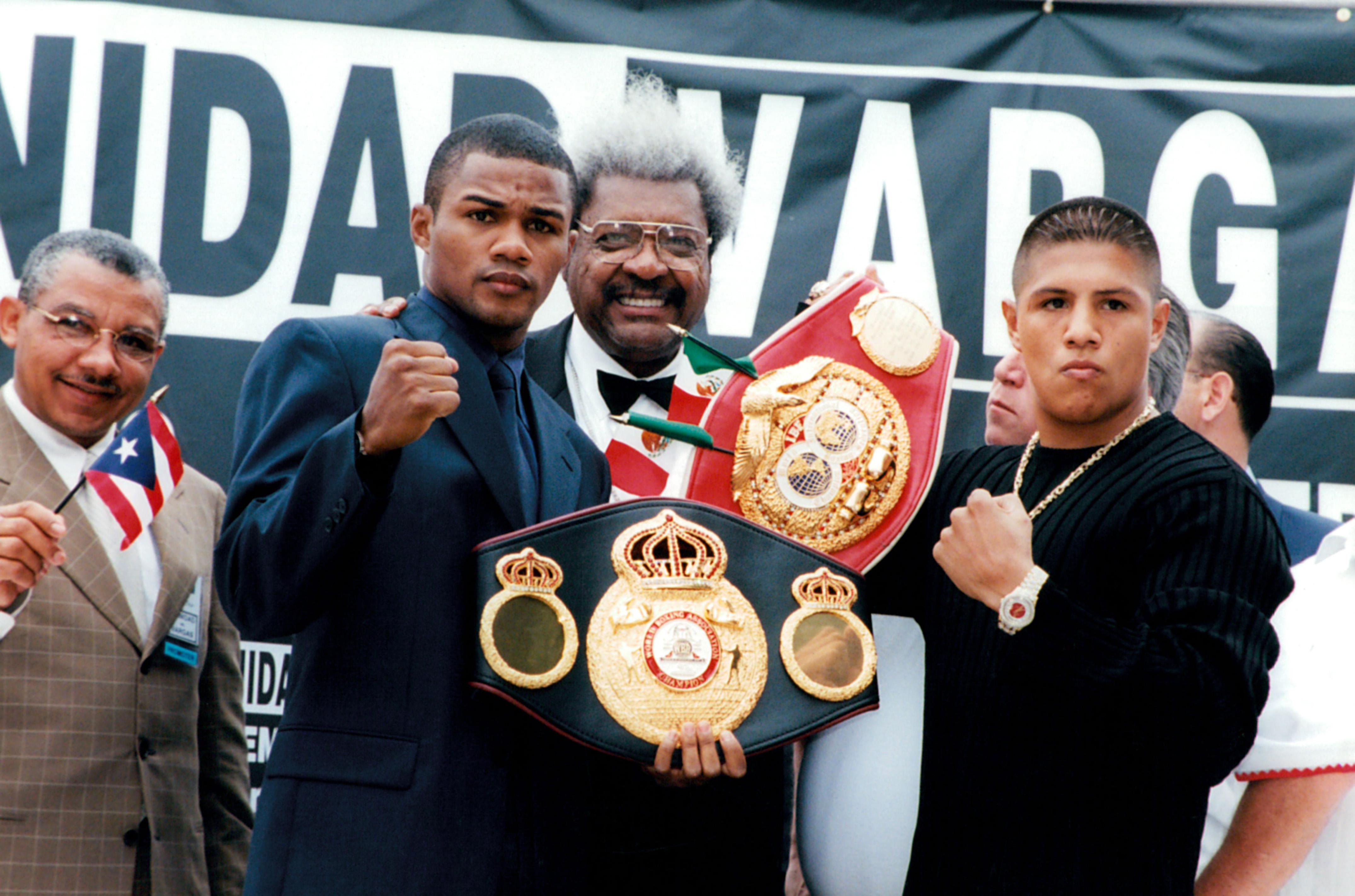 Felix Trinidad poses with Fernando Vargas