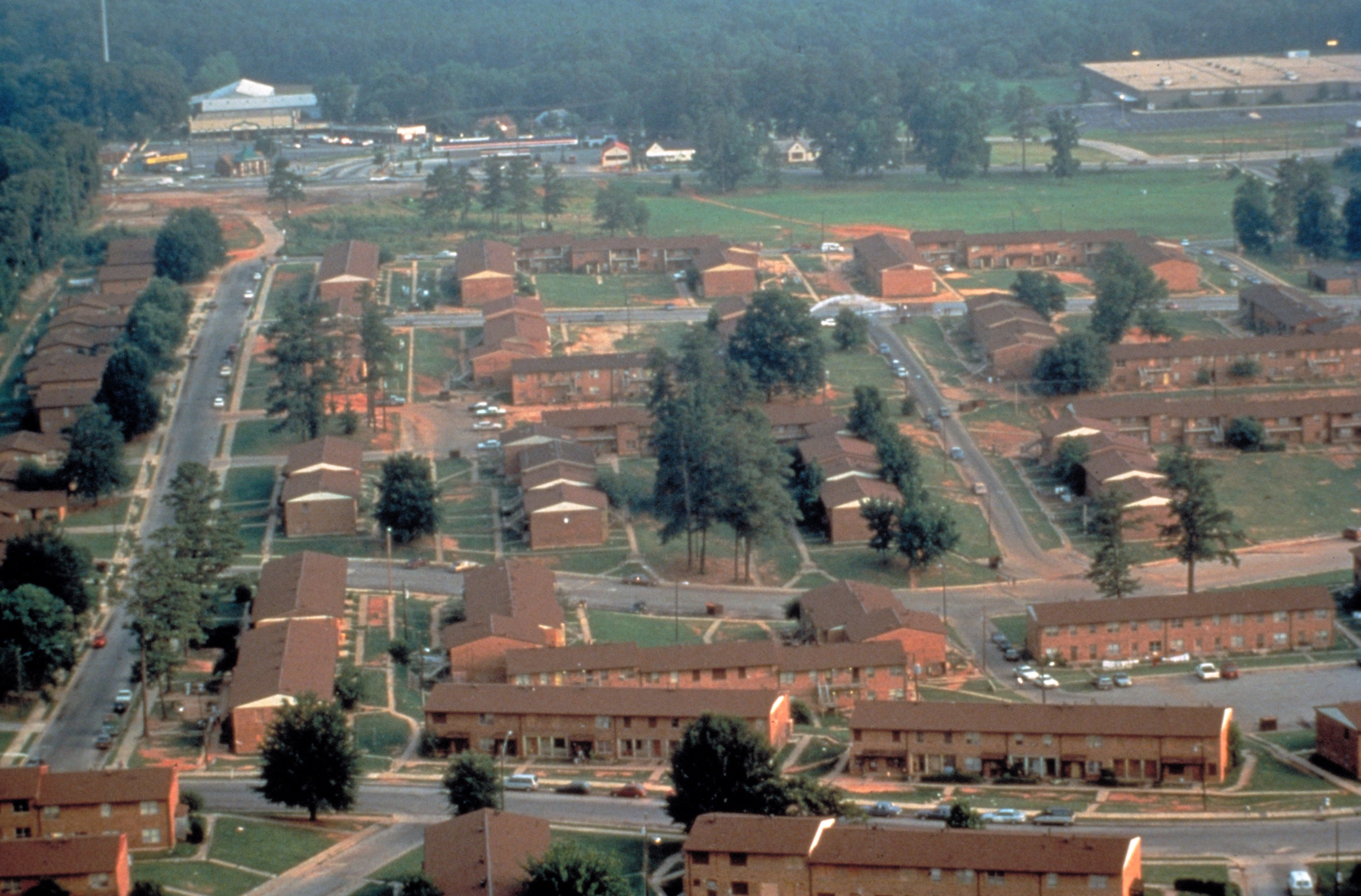 An aerial view of a housing project in Atlanta from the 1990s.