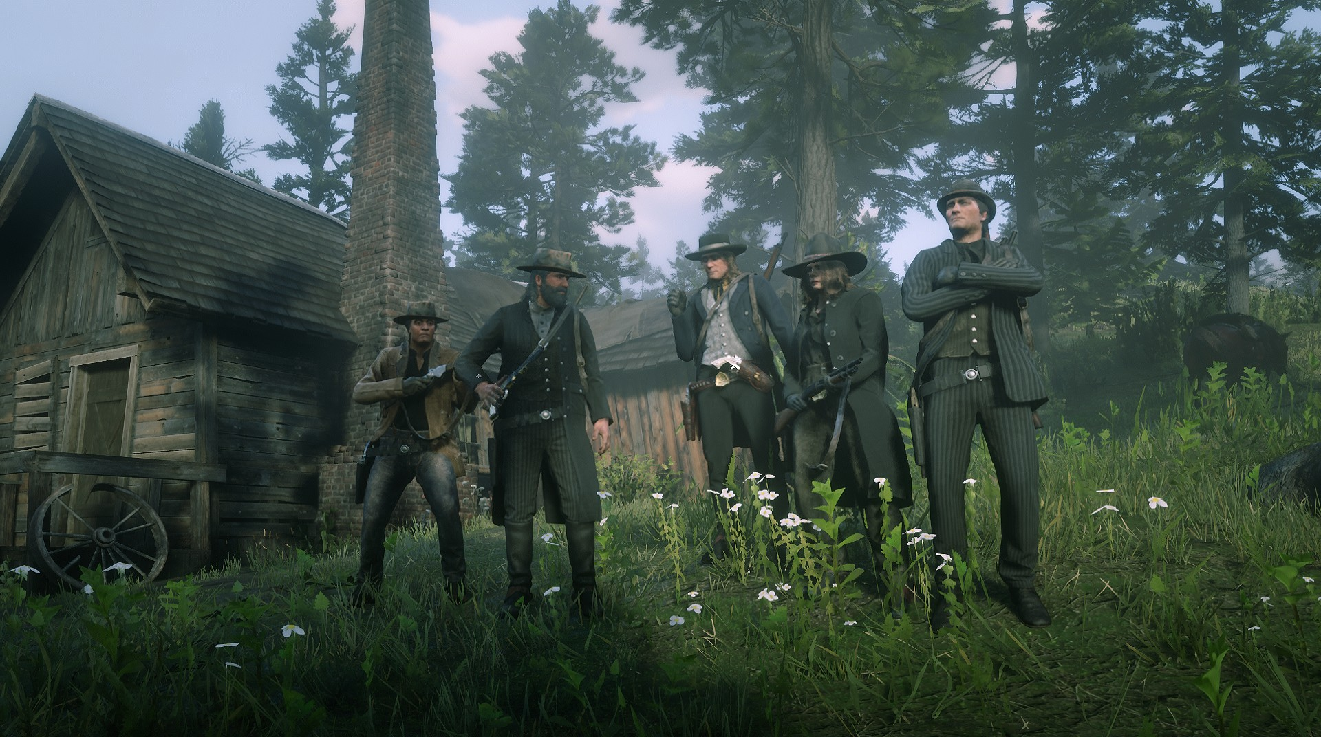 Red Dead Online - a group of players assemble to pose for a photo