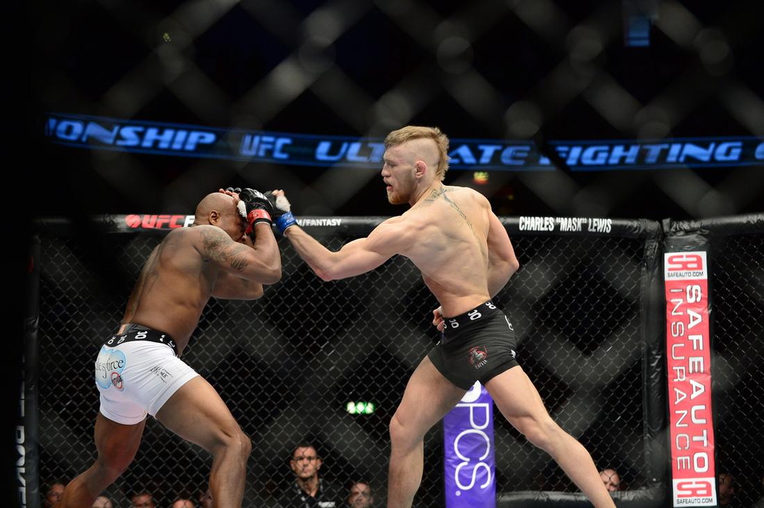 McGregor boxes Brimage