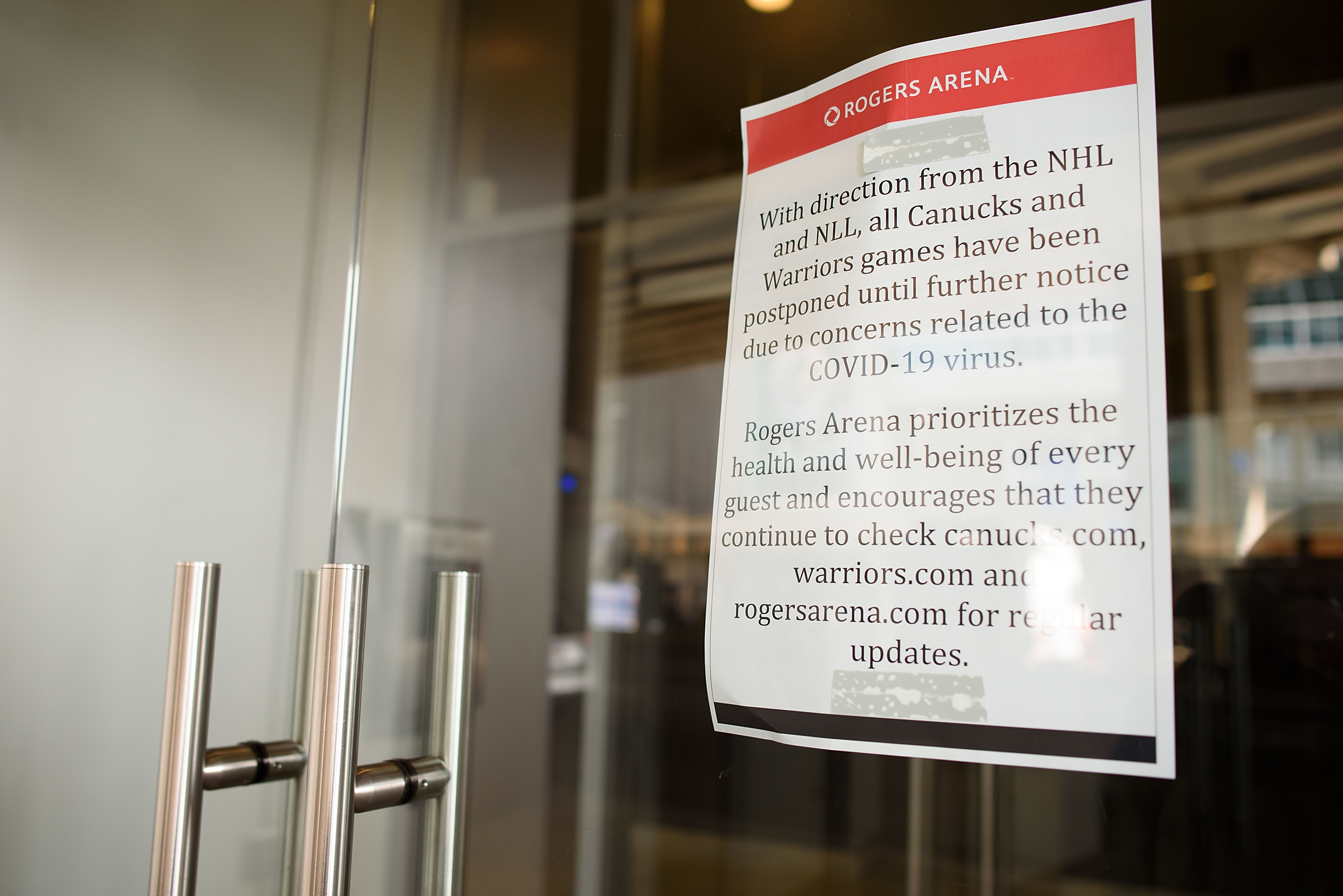 NHL: Winnipeg Jets at Vancouver Canucks