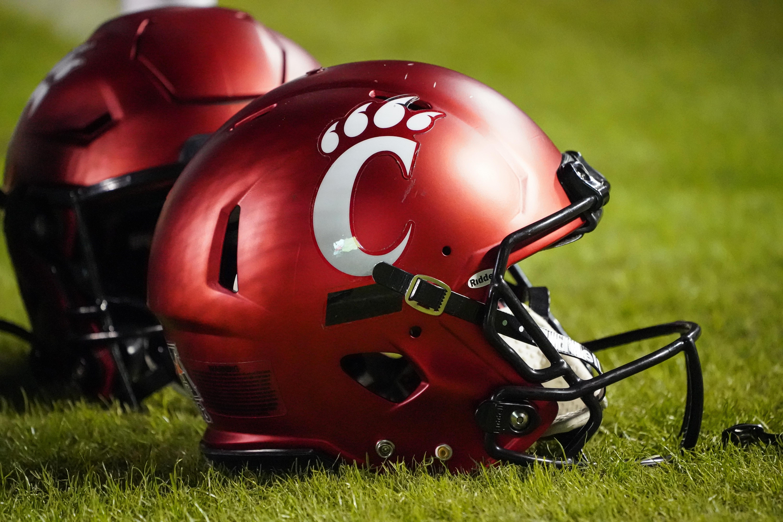 COLLEGE FOOTBALL: NOV 02 Cincinnati at East Carolina