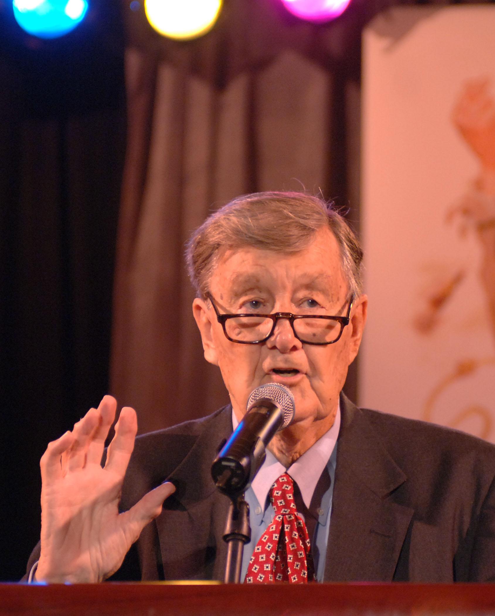 WSB Radio - Honors 40 Years of Larry Munson