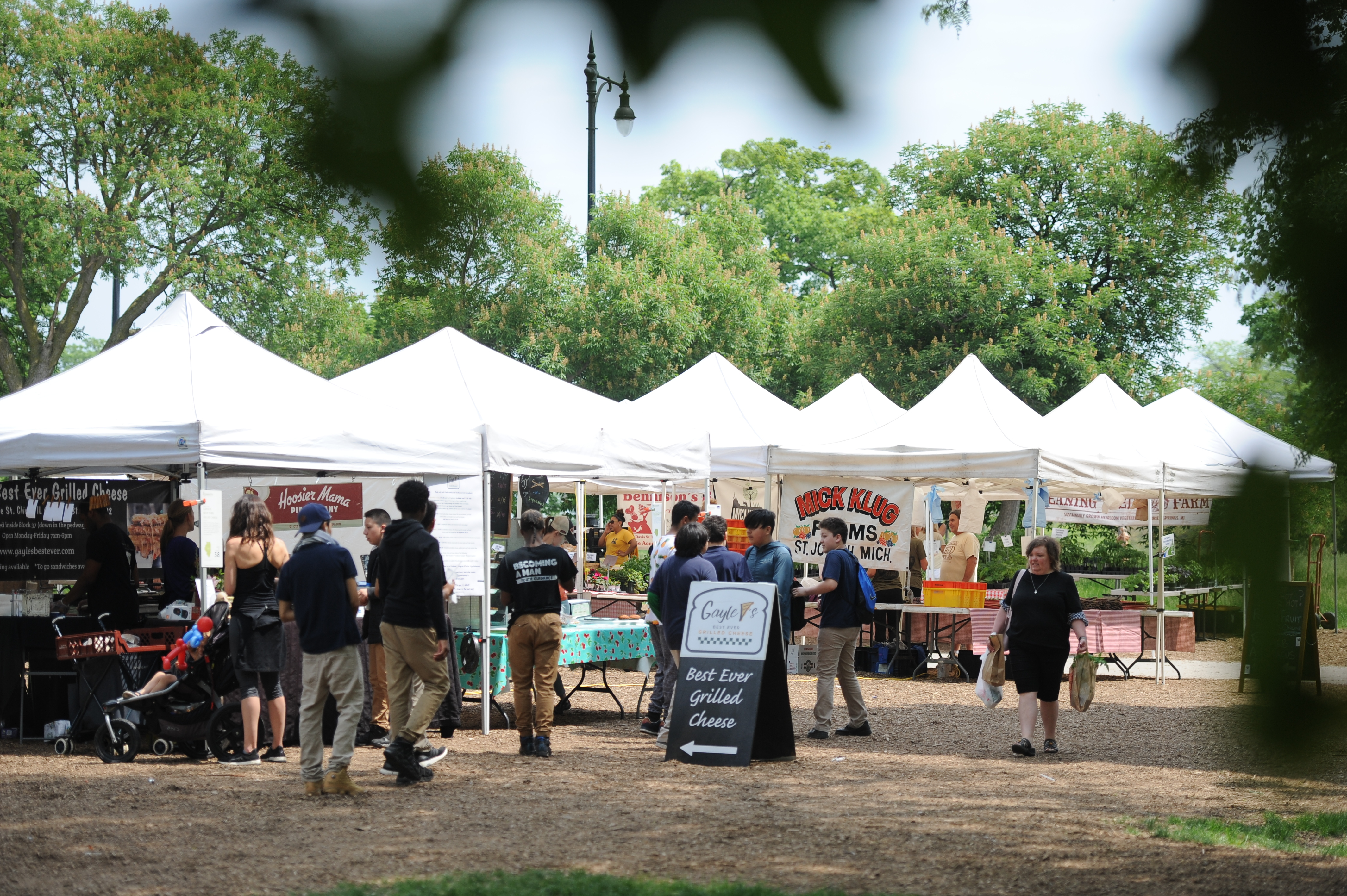 Chicago's largest farmers market, Green City Market located in Lincoln Park, provides a marketplace for purchasing variety of produce.