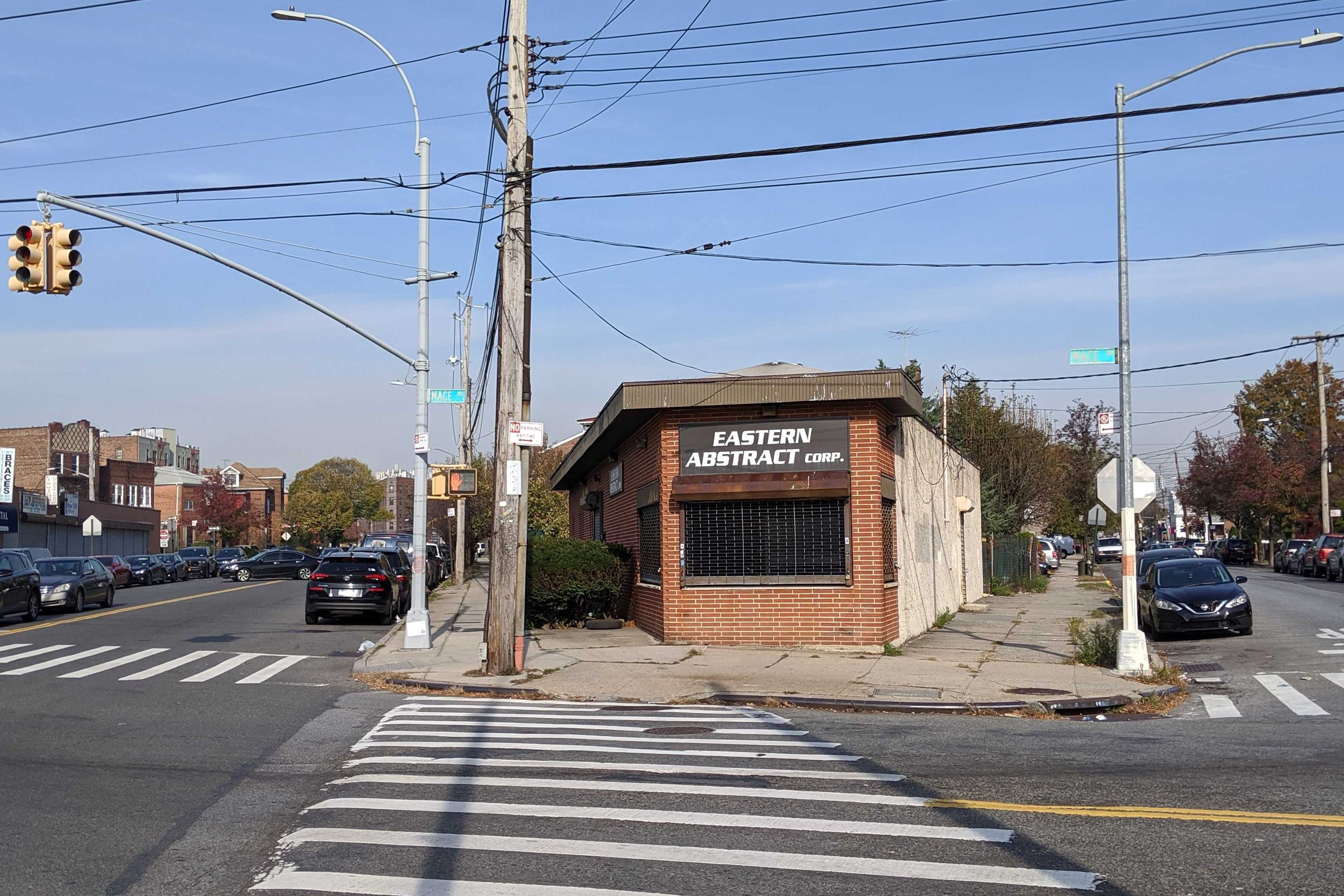 The Carnegie Hill Institute is planning to turn building on Williamsbridge Road in The Bronx into a drug treatment clinic.