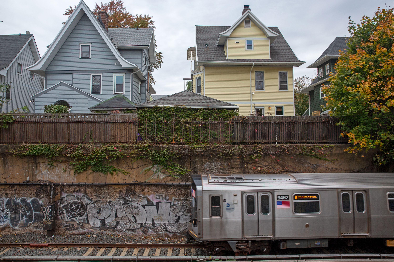 Q train wall
