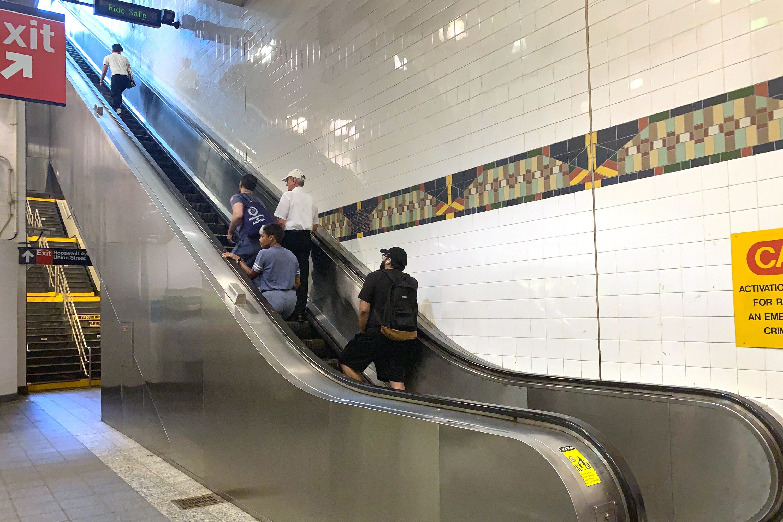 Flushing-Main Street Escalators