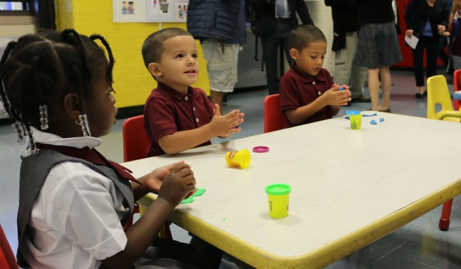 More than 900 New York City elementary school classrooms have tested positive for lead, city data show.