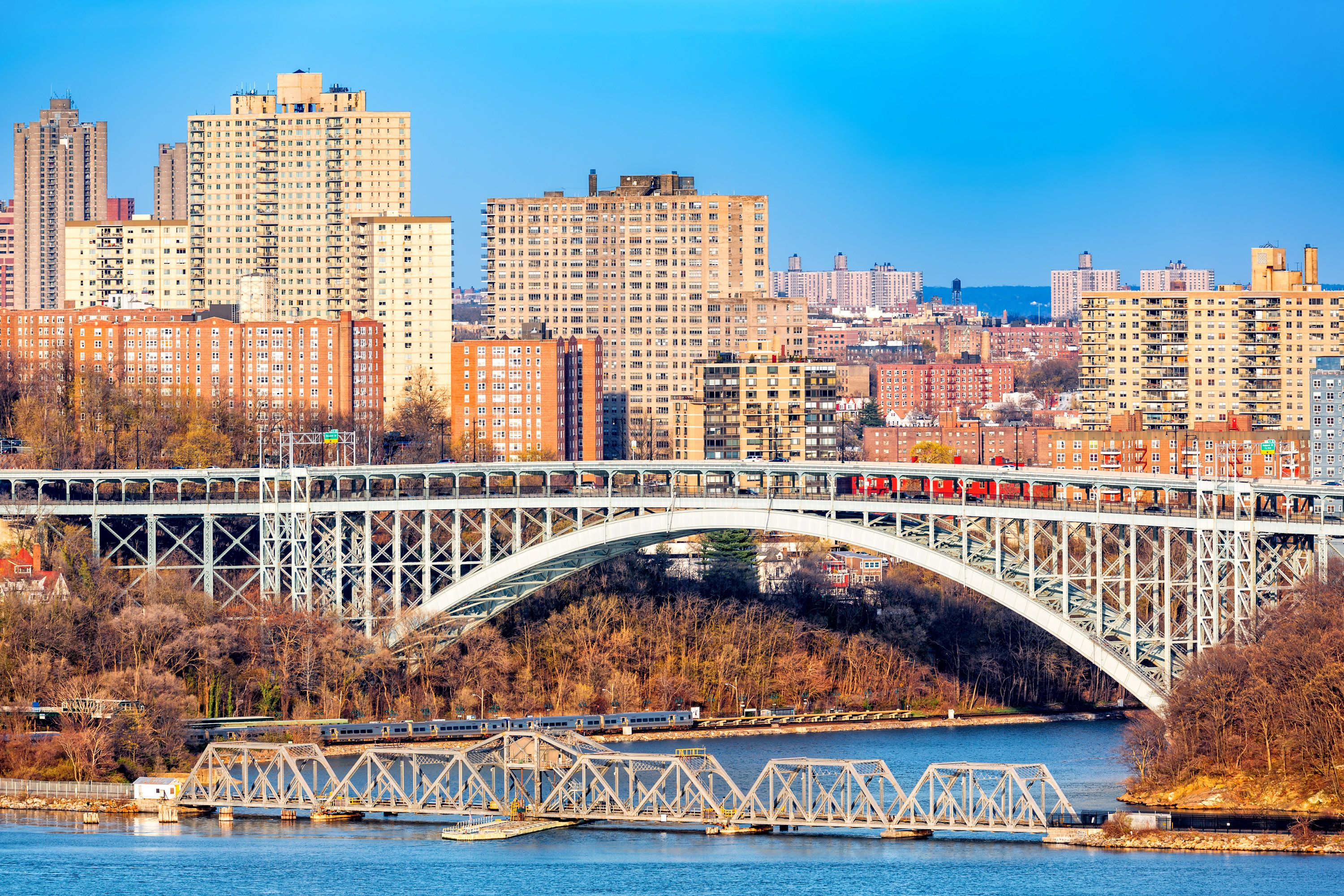 The Henry Hudson Bridge connecting northern Manhattan with The Bronx.
