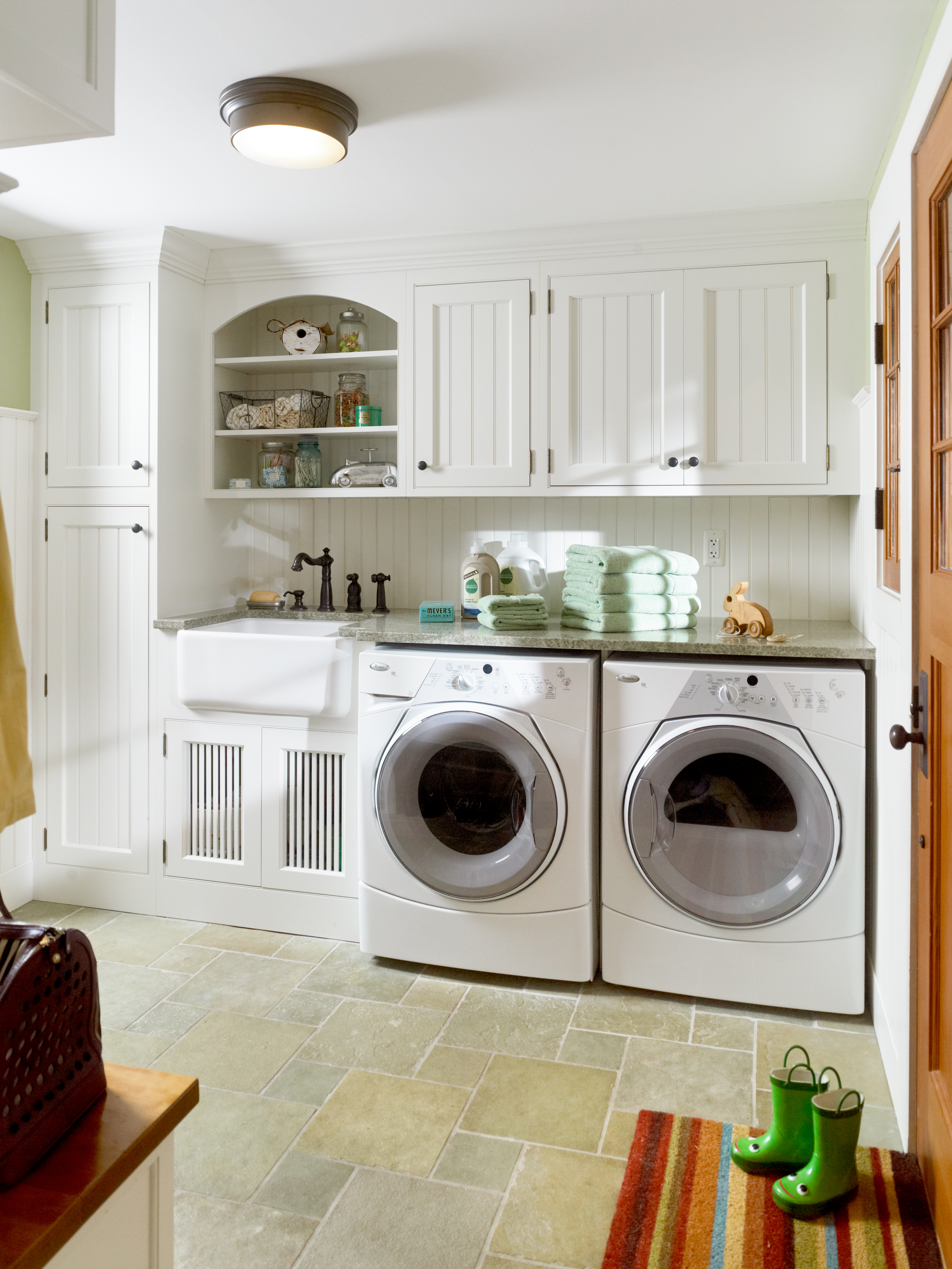 Dilley Kitchen, Laundry Room, Washer and Dryer