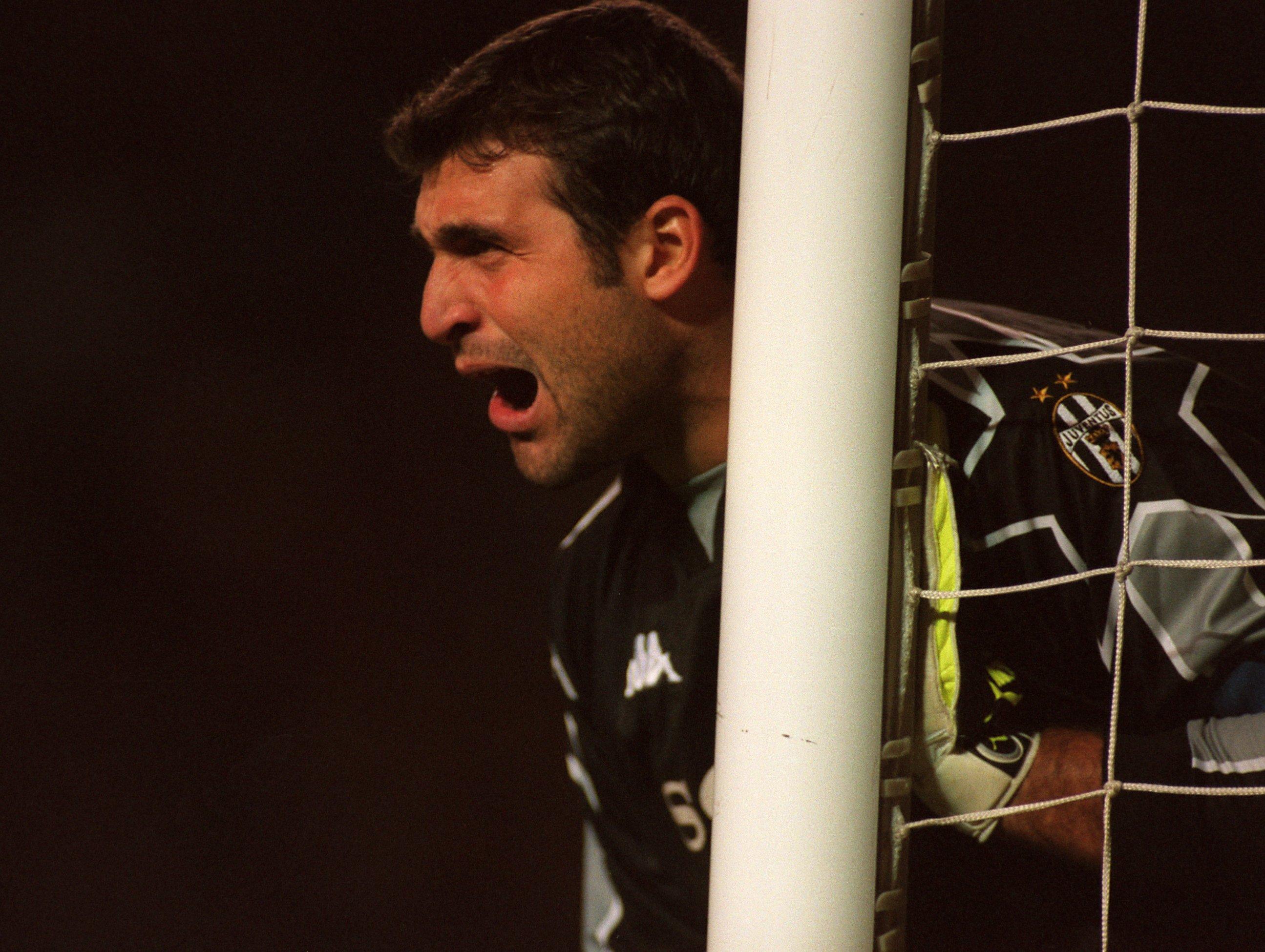 Soccer - UEFA Champions League - Manchester United v Juventus