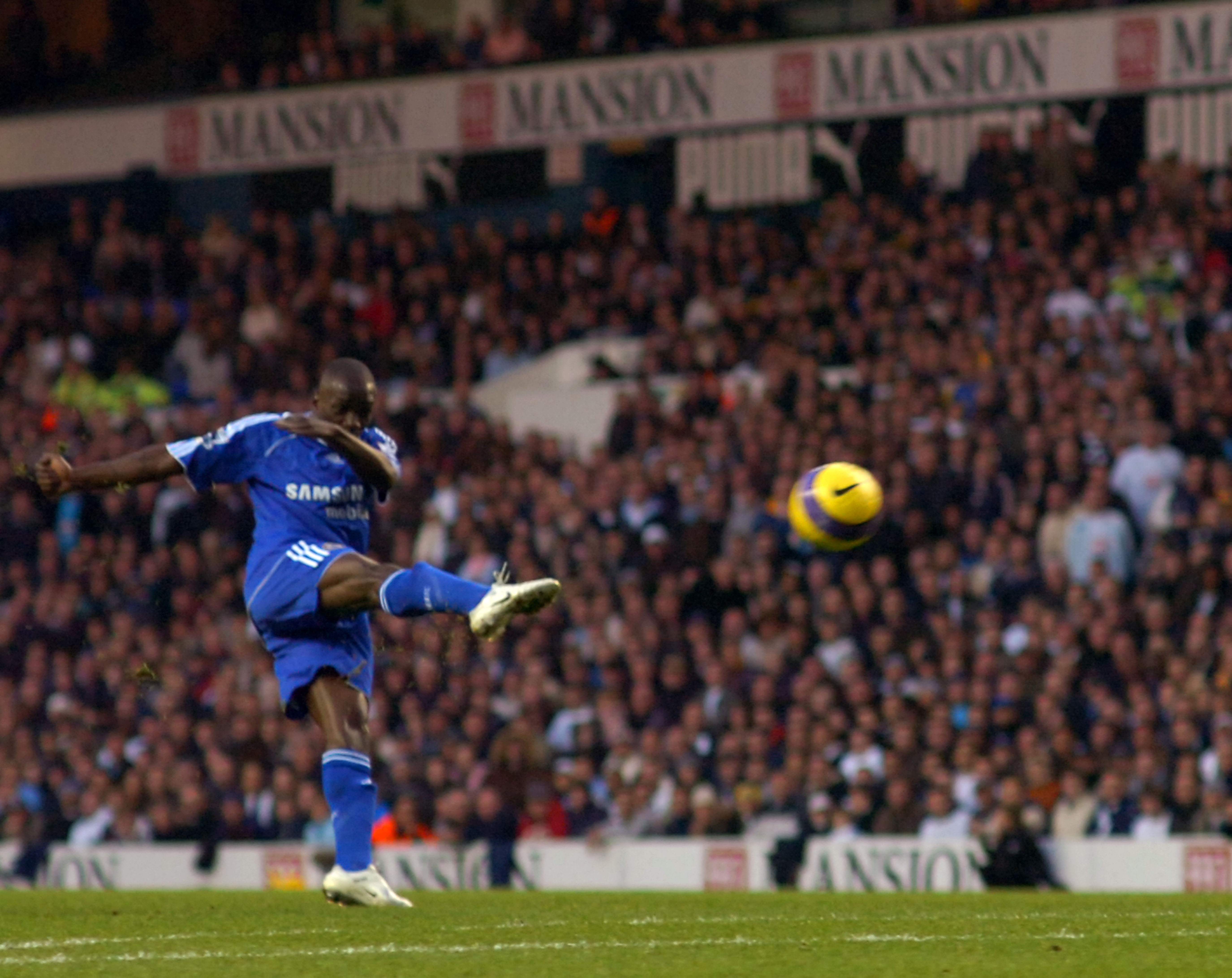 Soccer - FA Barclays Premiership - Tottenham Hotspur v Chelsea - White Hart Lane