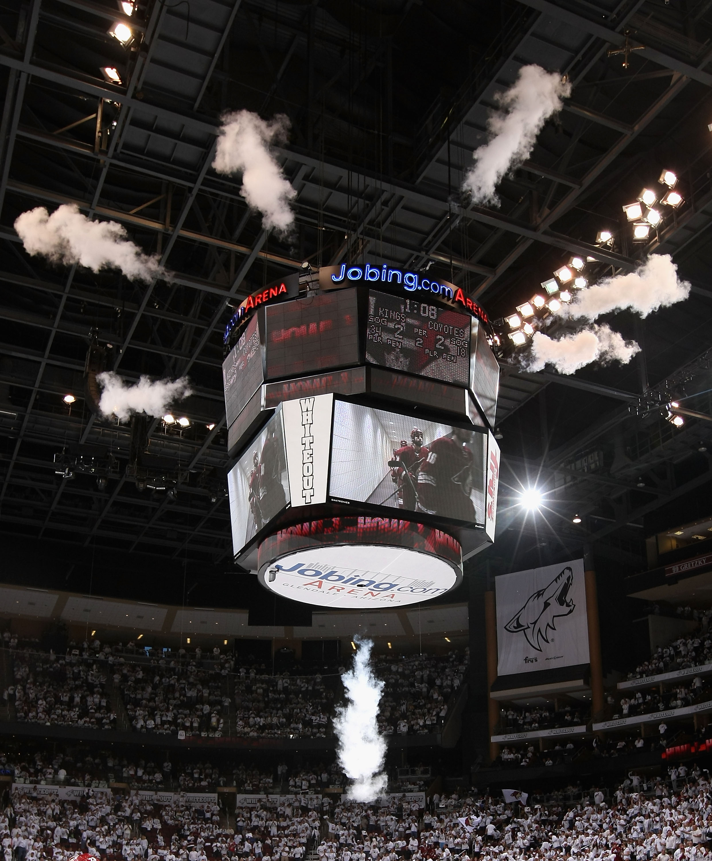 Los Angeles Kings v Phoenix Coyotes - Game One