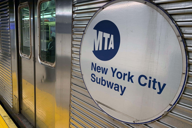 R32 subway car