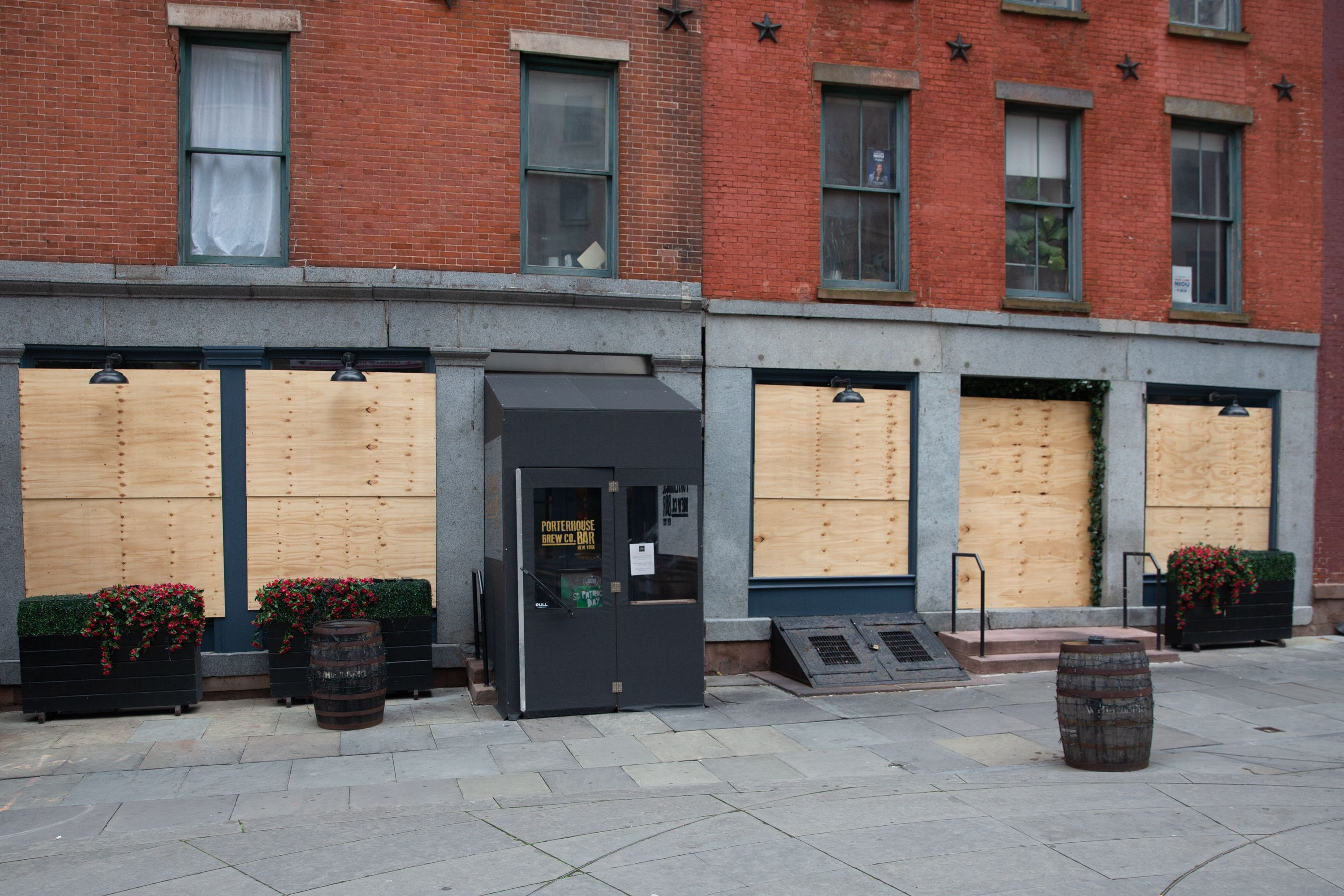 Porterhouse Brew Co. in the Financial District was boarded up during the coronavirus epidemic.