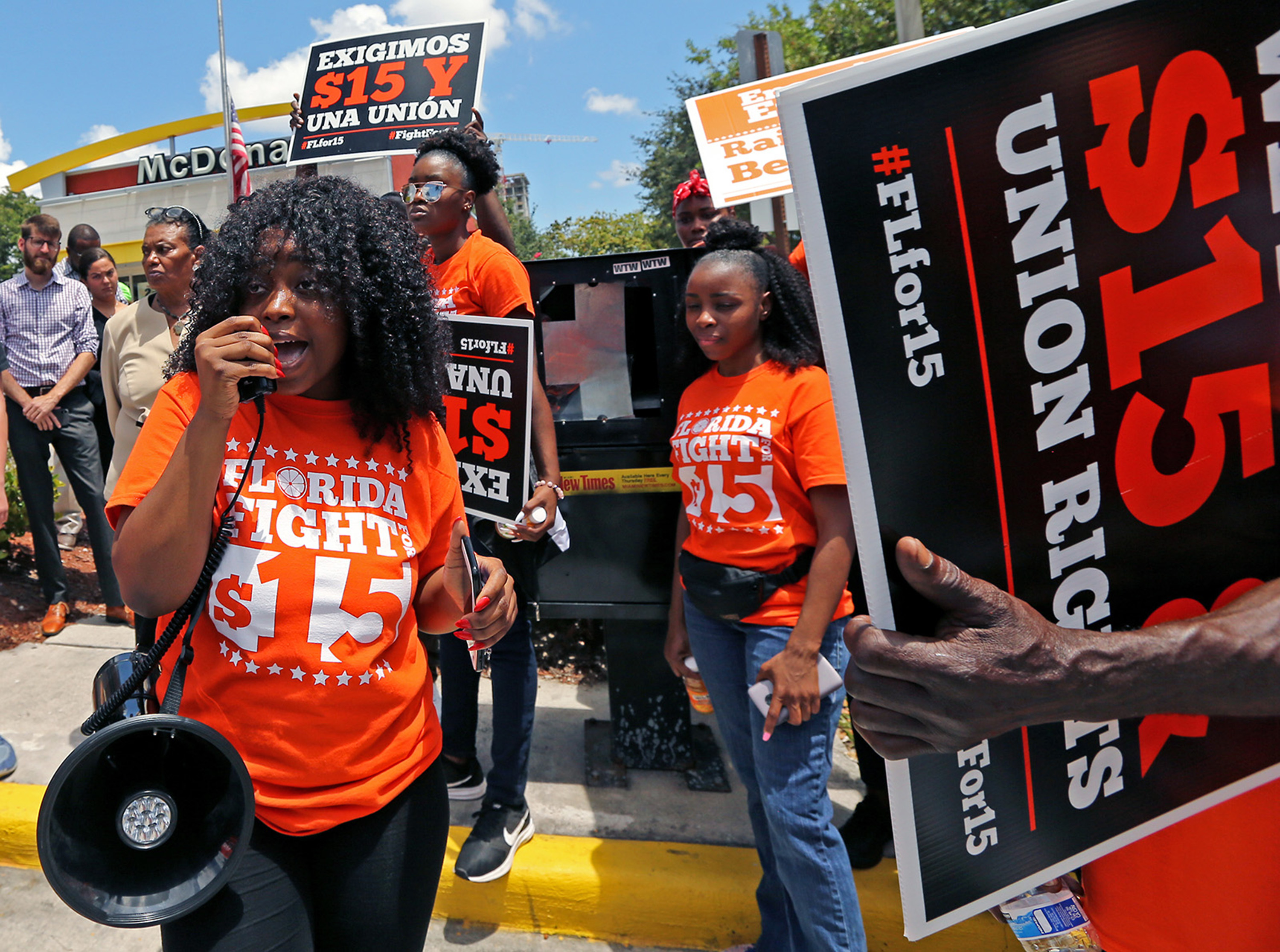 Commentary: A bad rule lets fast-food chains off the hook for workers' rights