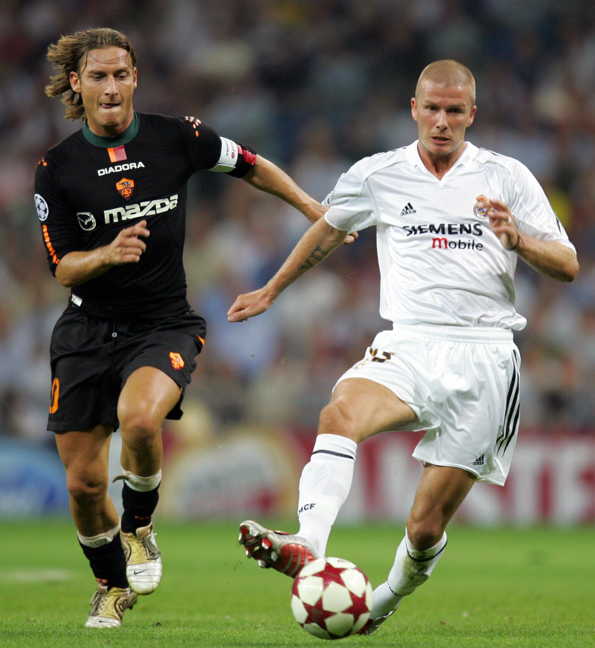 Real Madrid's British David Beckham (R)