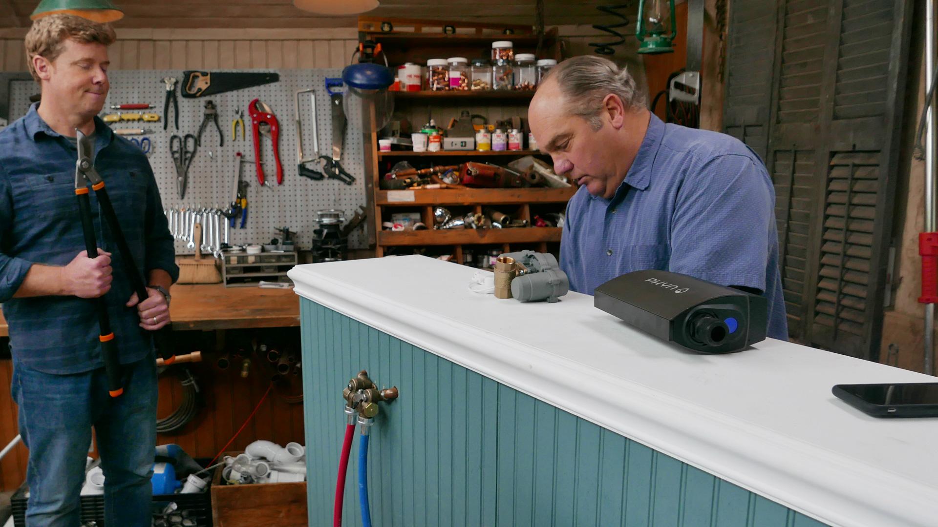 Richard Trethewey tests smart automatic water shut off valves.