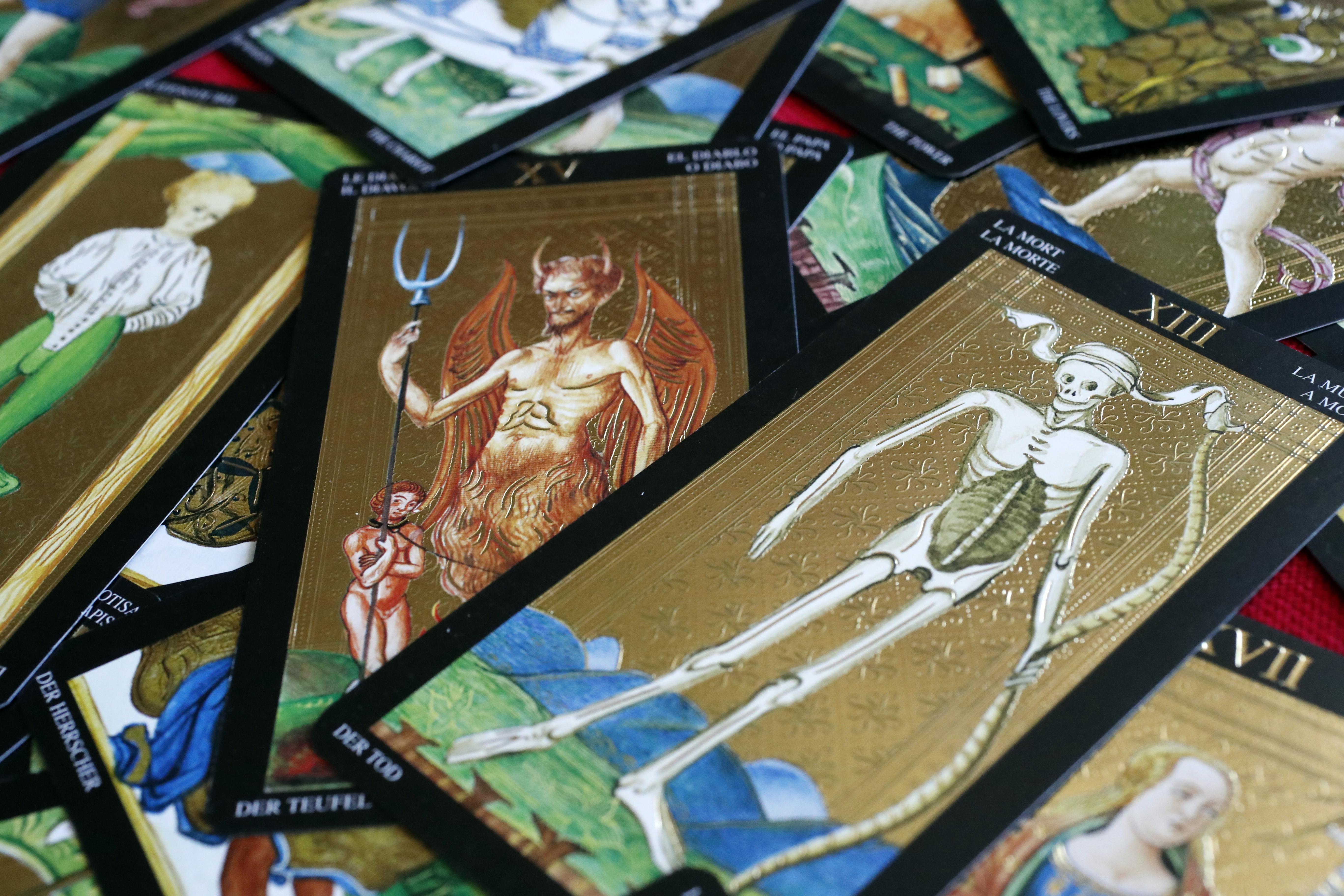 Tarot cards. The devil. Death.