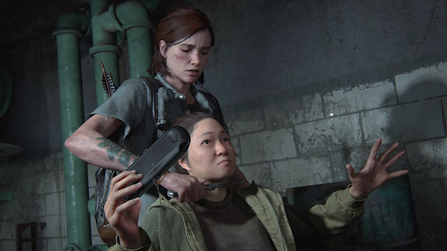 Ellie holds a knife to the throat of a woman playing a PlayStation Vita in a screenshot from The Last of Us Part 2