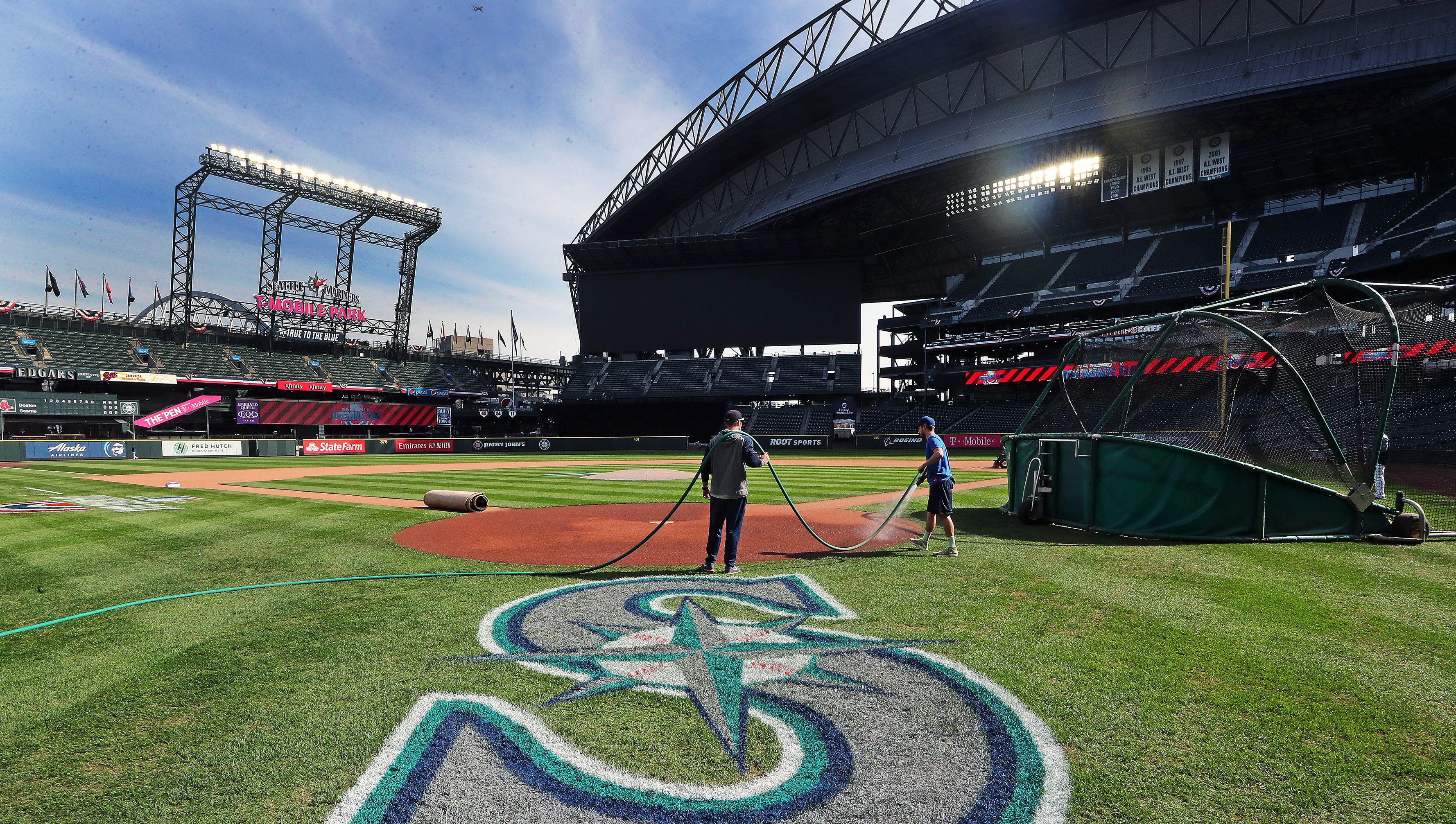 Boston Red Sox Vs Seattle Mariners At T-Mobile Park